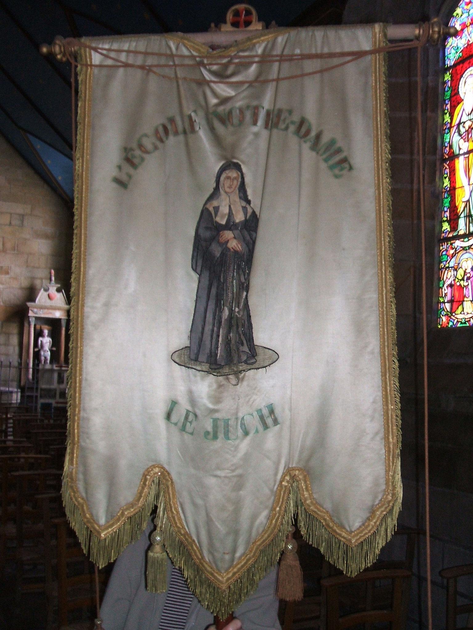 Bannière de l'école Notre-Dame du Juch, sainte Thérèse.