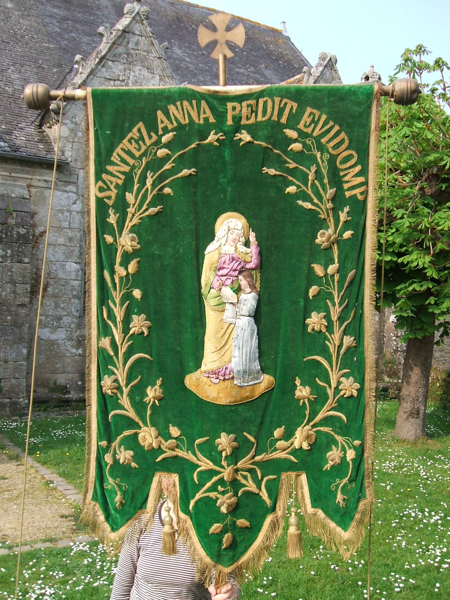 Bannière sainte Anne.