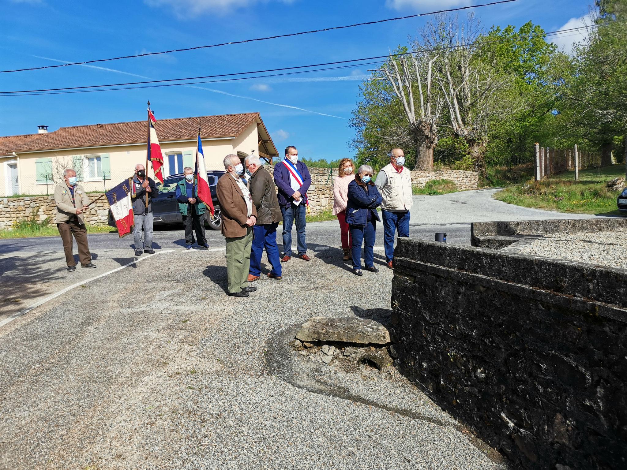 Monuments aux morts au village de la Brandouille - St Pardoux -