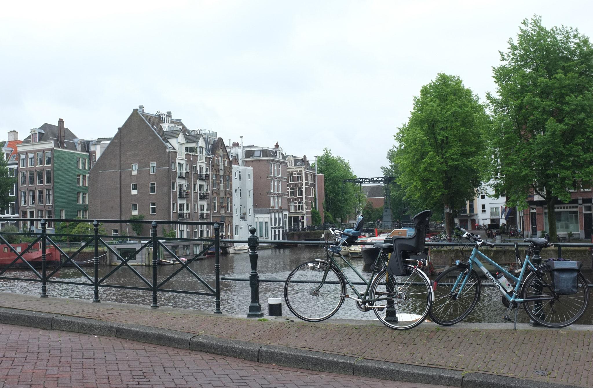 2016 Am Ziel: Amsterdam mit dem Rad erkunden.