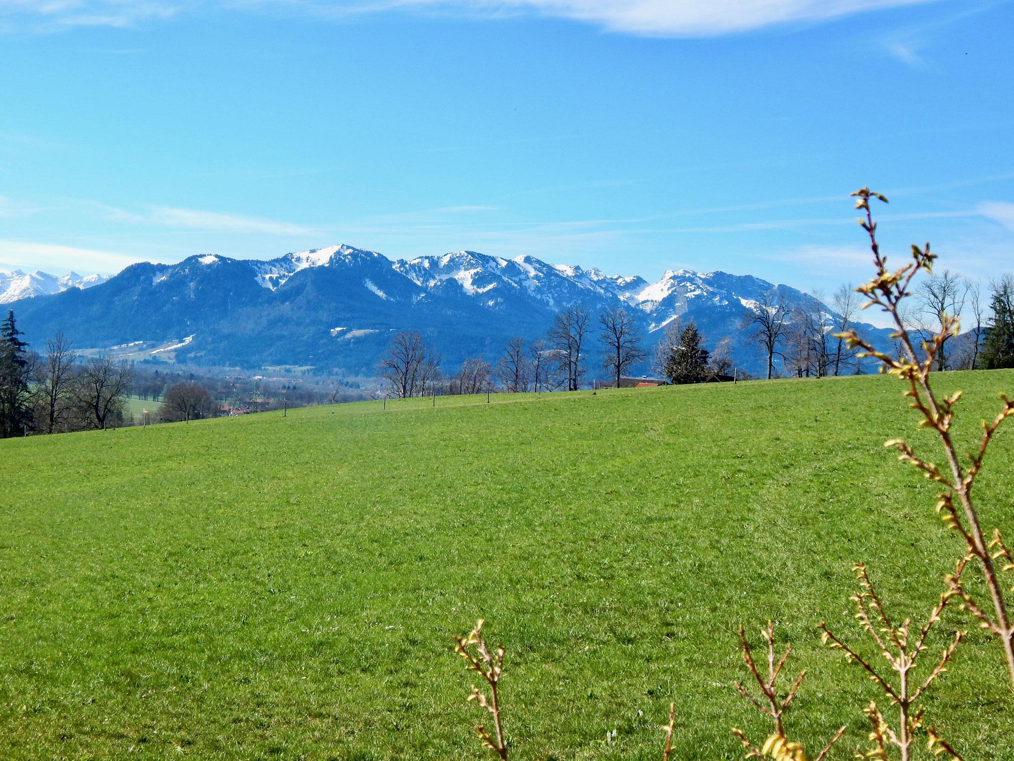 Blick nach Gaißach & in das Karwendelgebirge