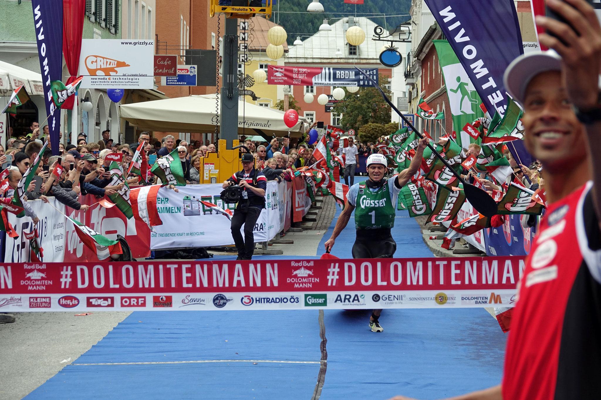 Tagessieger Lucas Kubrican beim Zieleinlauf