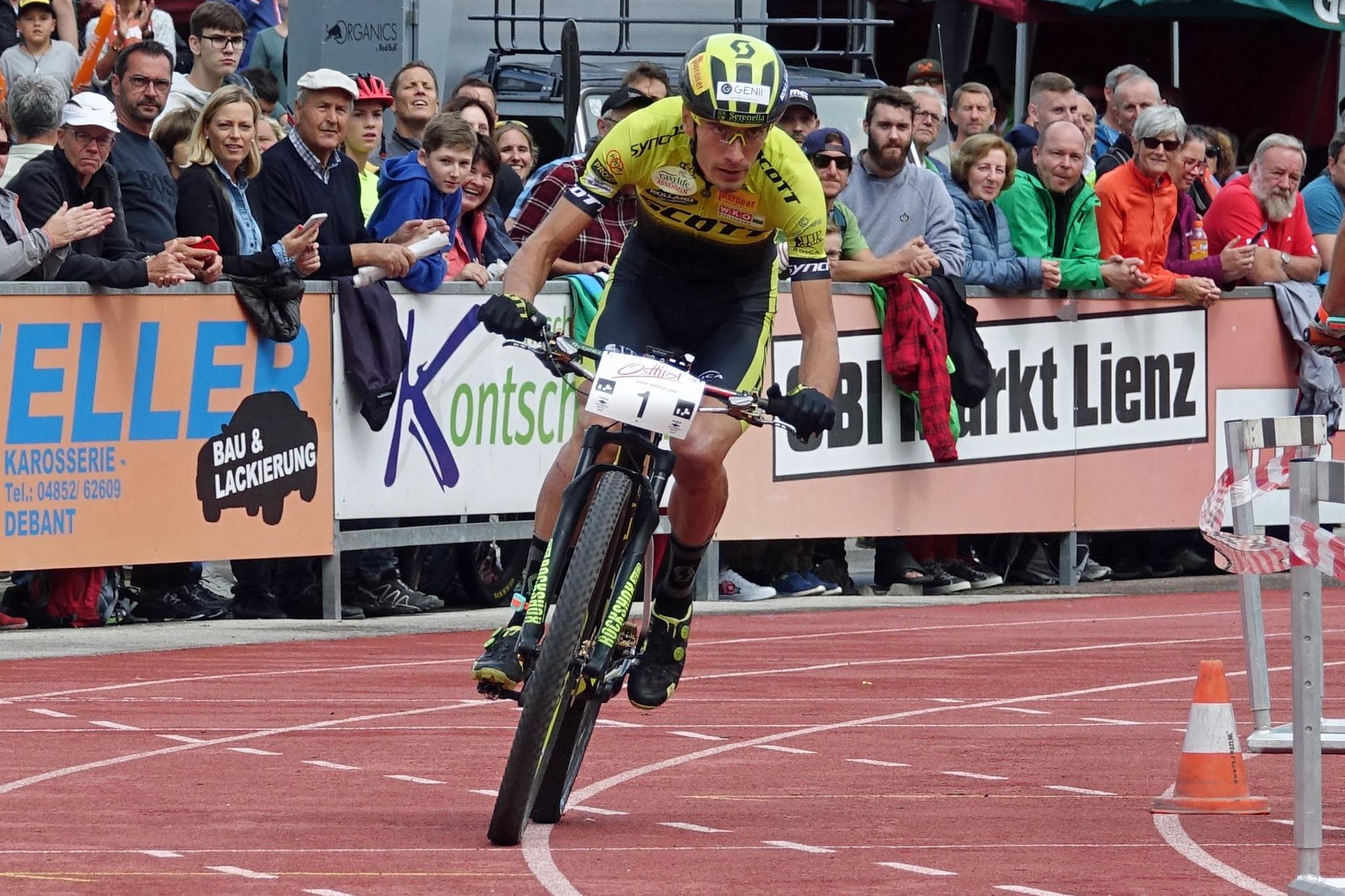 Juri Ragnoli startet als erster Mountainbiker