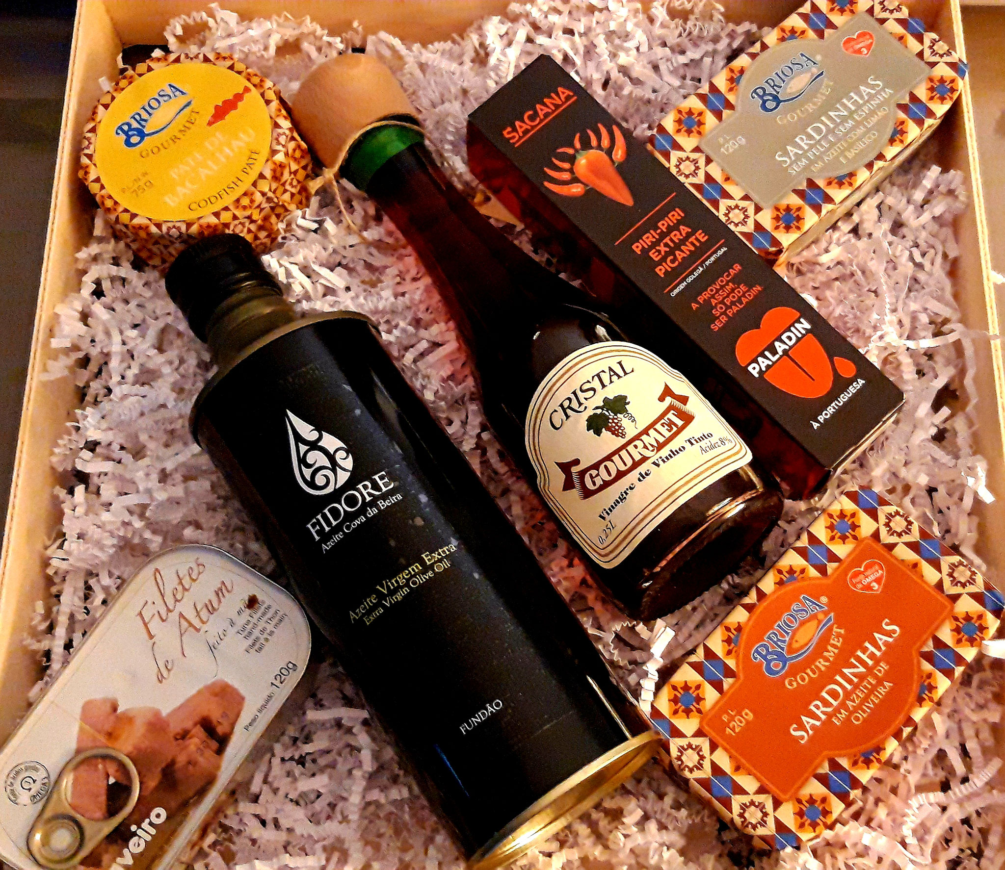 Coffret Huile d'Olive, Vinaigre Gourmet, Piri Piri, Conserve