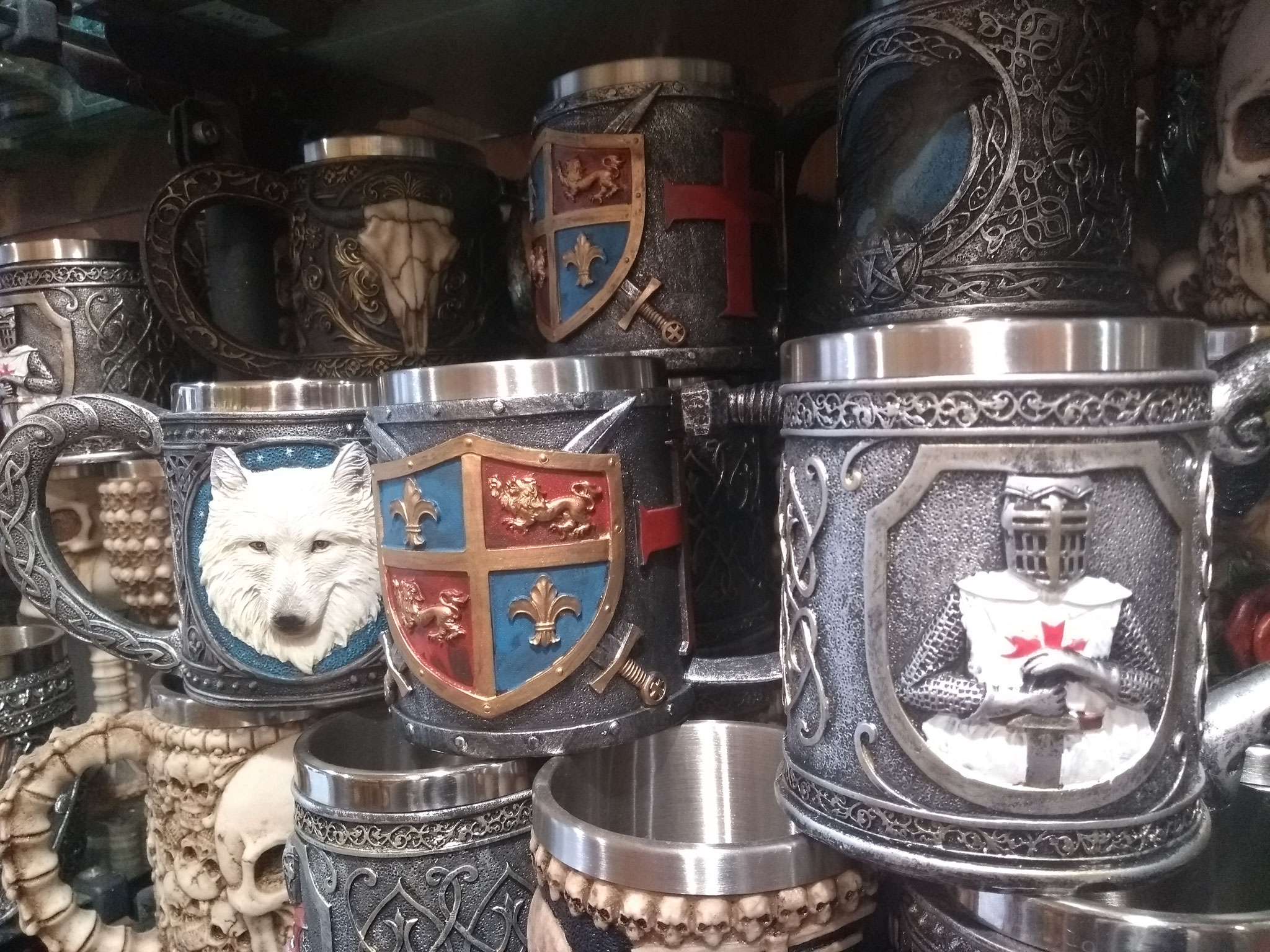 Copas de estilo templario, histórico y fantástico