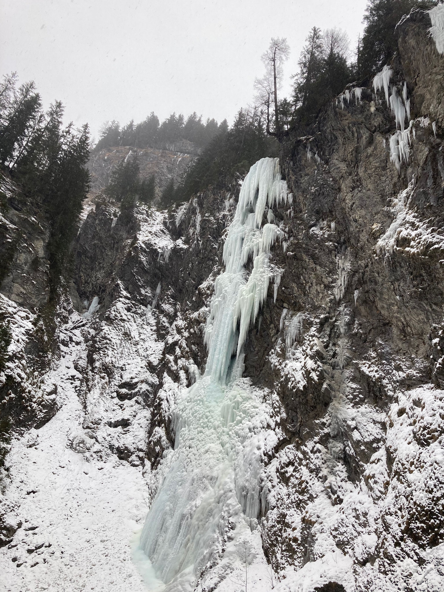 Extremer Eisfall im Lechtal