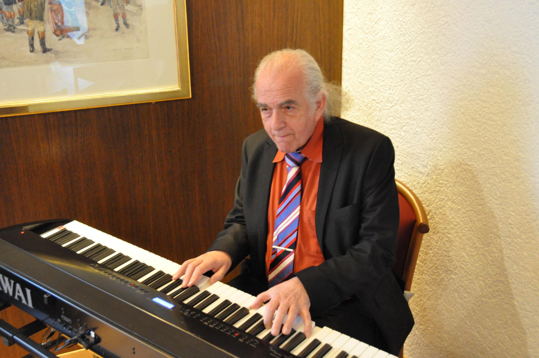 Kurt Scheurer, Pianist, Feier zum Tag der Astrologie vom 18. März 2017