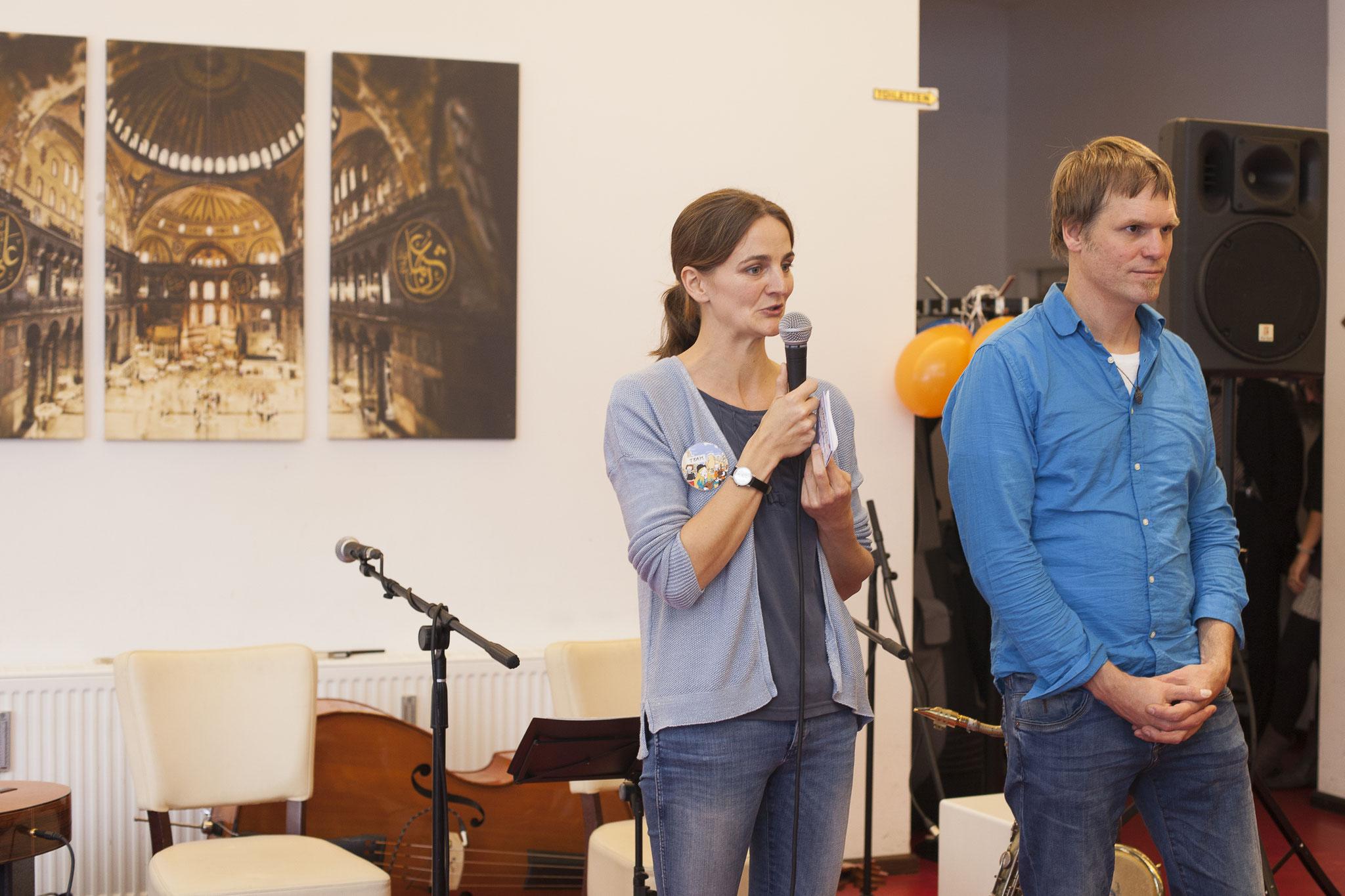 Begrüßung durch Florian Limberg und  Sebastian Teutsch (Kirschendieb & Perlensucher Kulturprojekte), Foto: Patricia Schichl