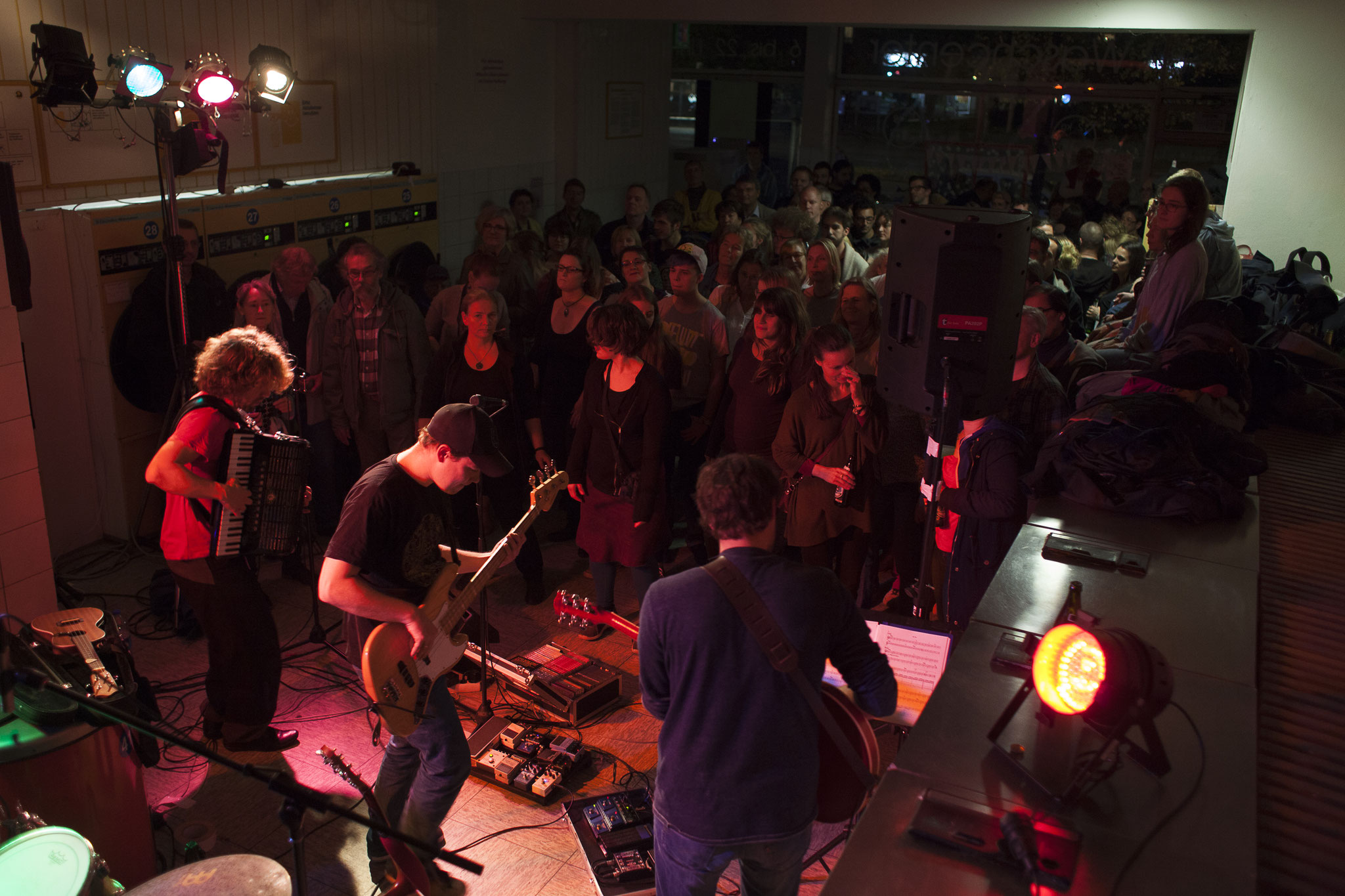 Abschlusskonzert von Son Kapital im Waschsalon, Foto: Patricia Schichl