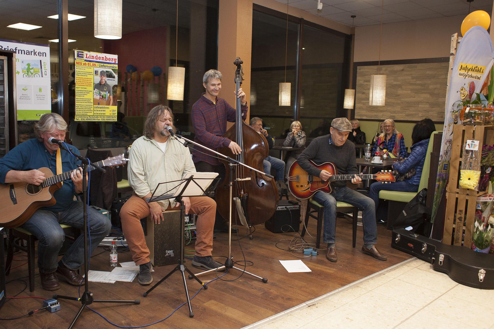 Querbeat im EDEKA Lindenberg, Foto: Patricia Schichl