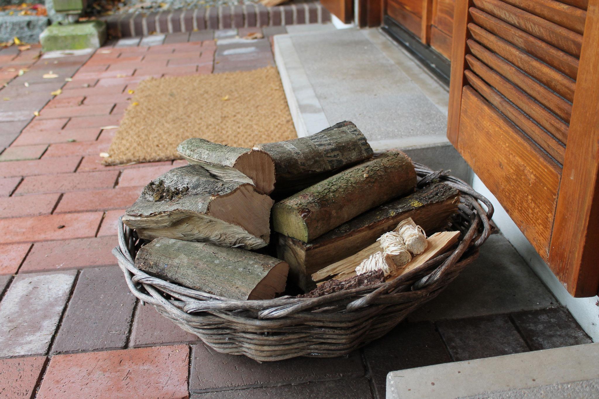 Unser Holzkorb für unsere Gäste