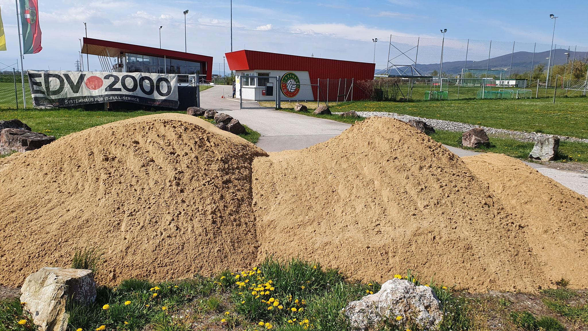 Sand für eine ebene Spielfläche