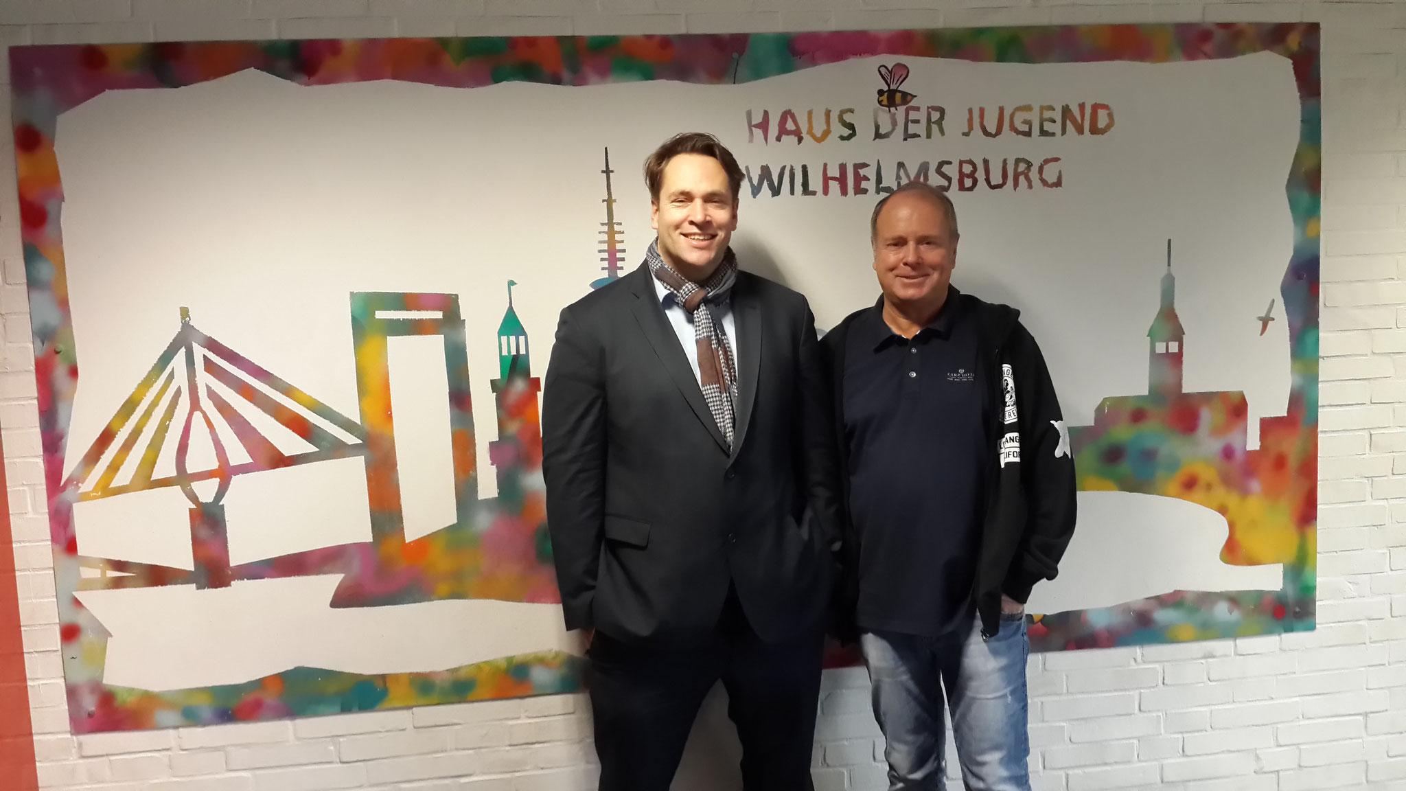 Mit Ulrich Gomolzig (Leiter des HDJ) im  Haus der Jugend Wilhelmsburg