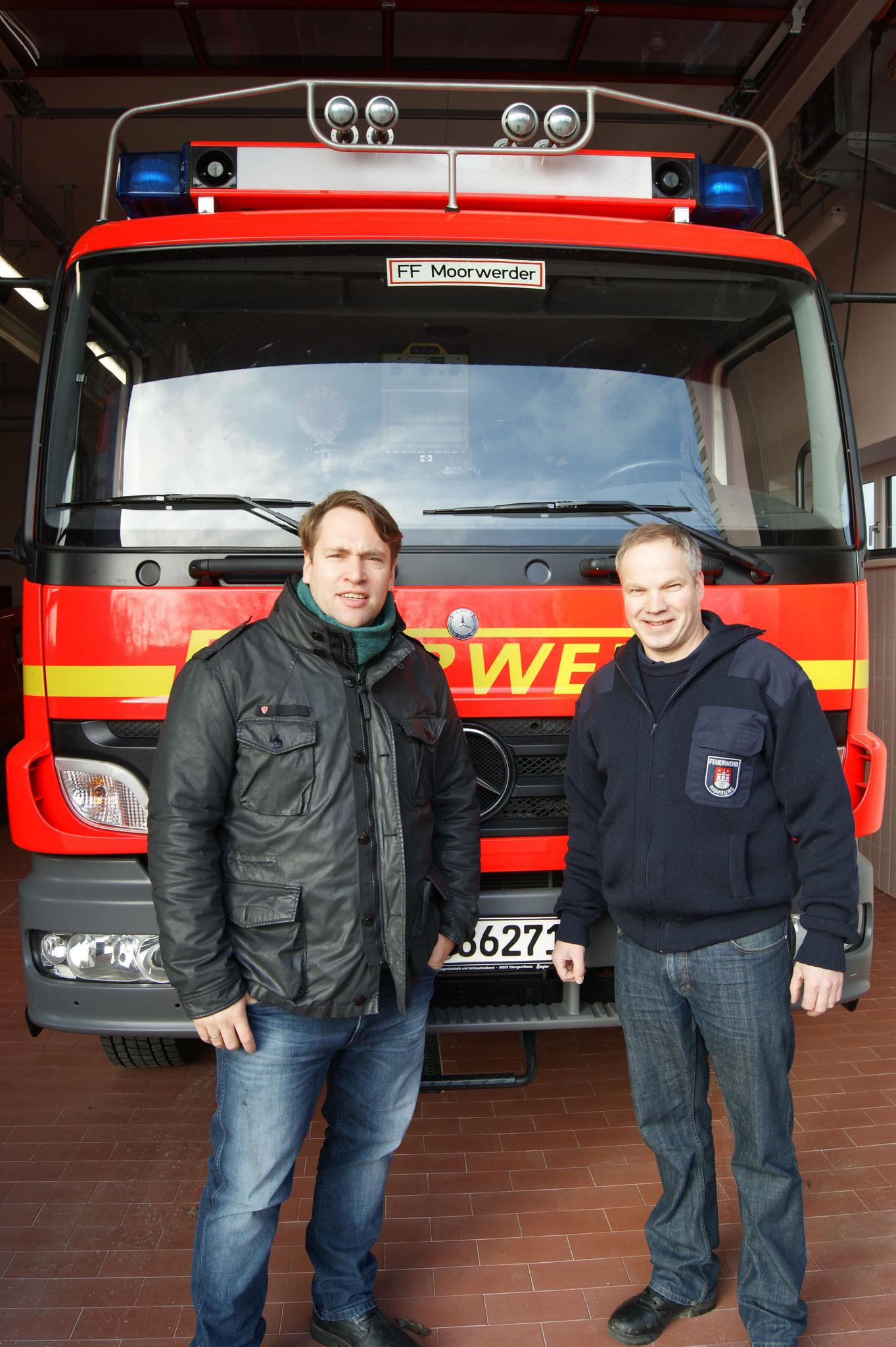 Mit Wehrführer Stefan Schröder von der Freiwilligen Feuerwehr Moorwerder