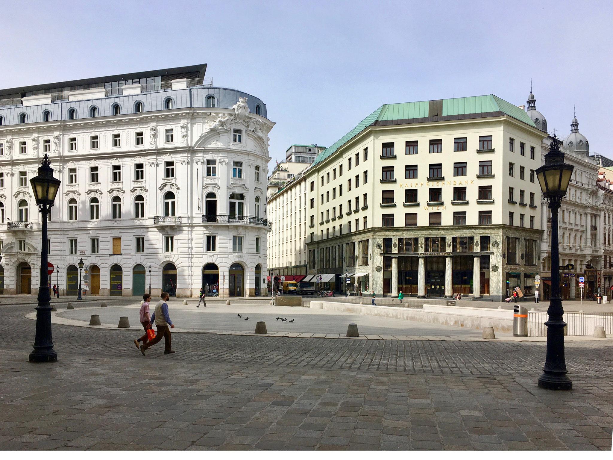 Michaelerplatz mit Looshaus und Platzgestaltung von Hans Hollein ©Felicitas-Konecny