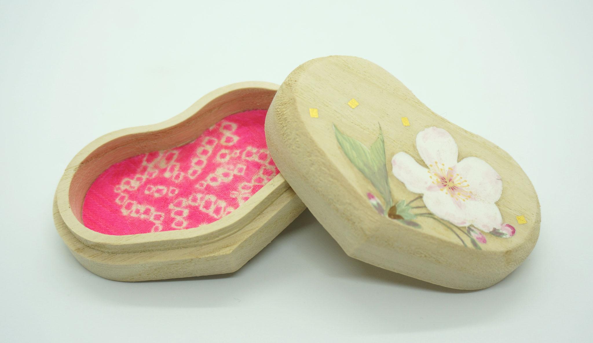 ハート型桐小箱・葉桜