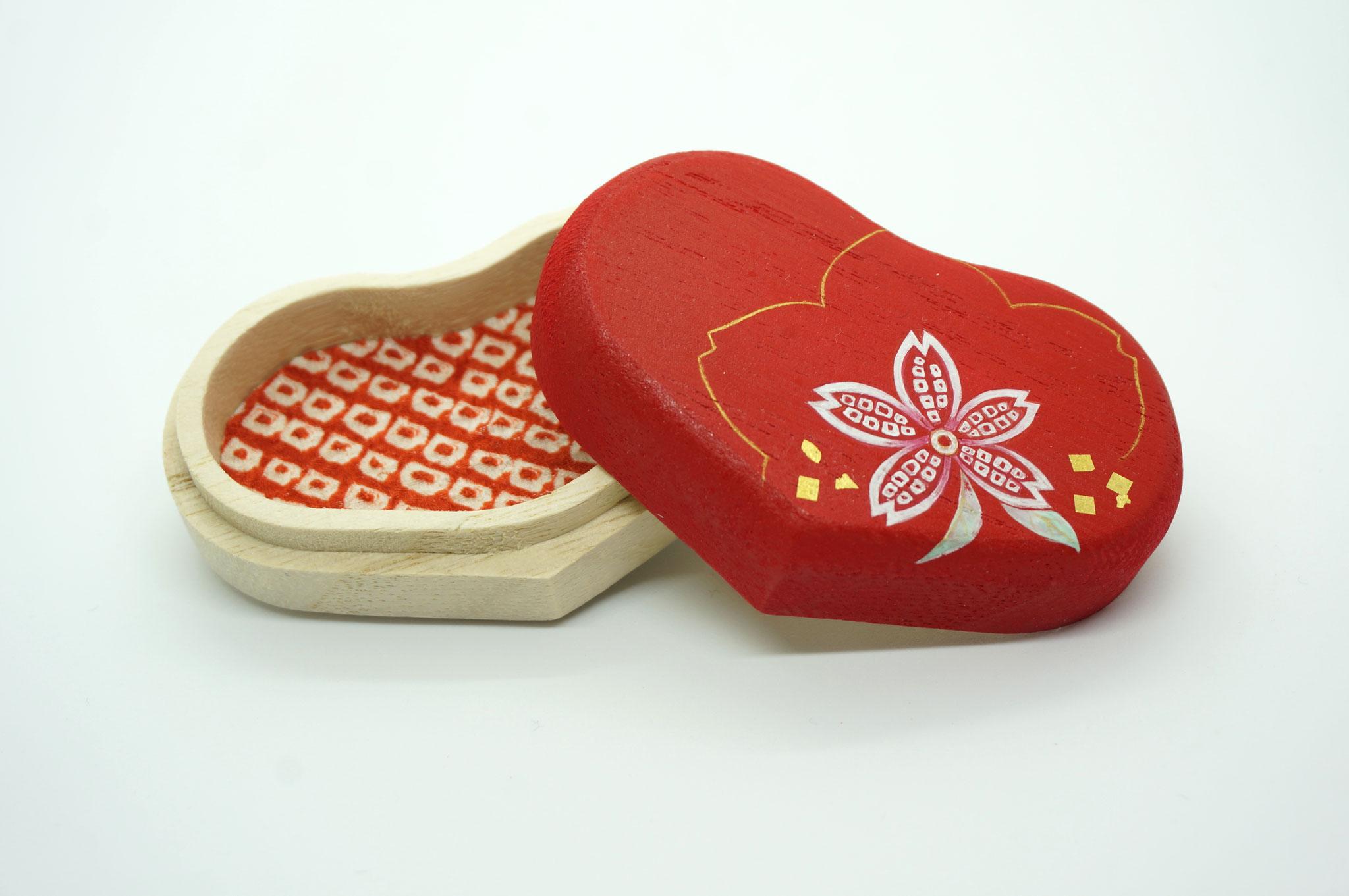 ハート型桐小箱・桜