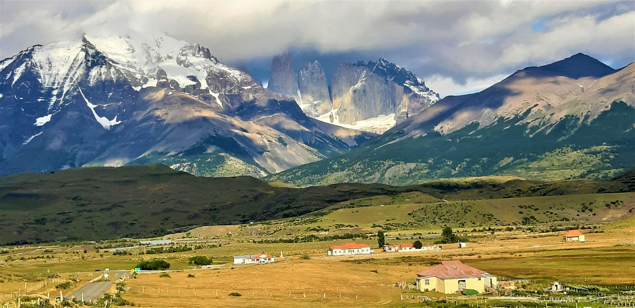 Estancia und Torres-Massiv