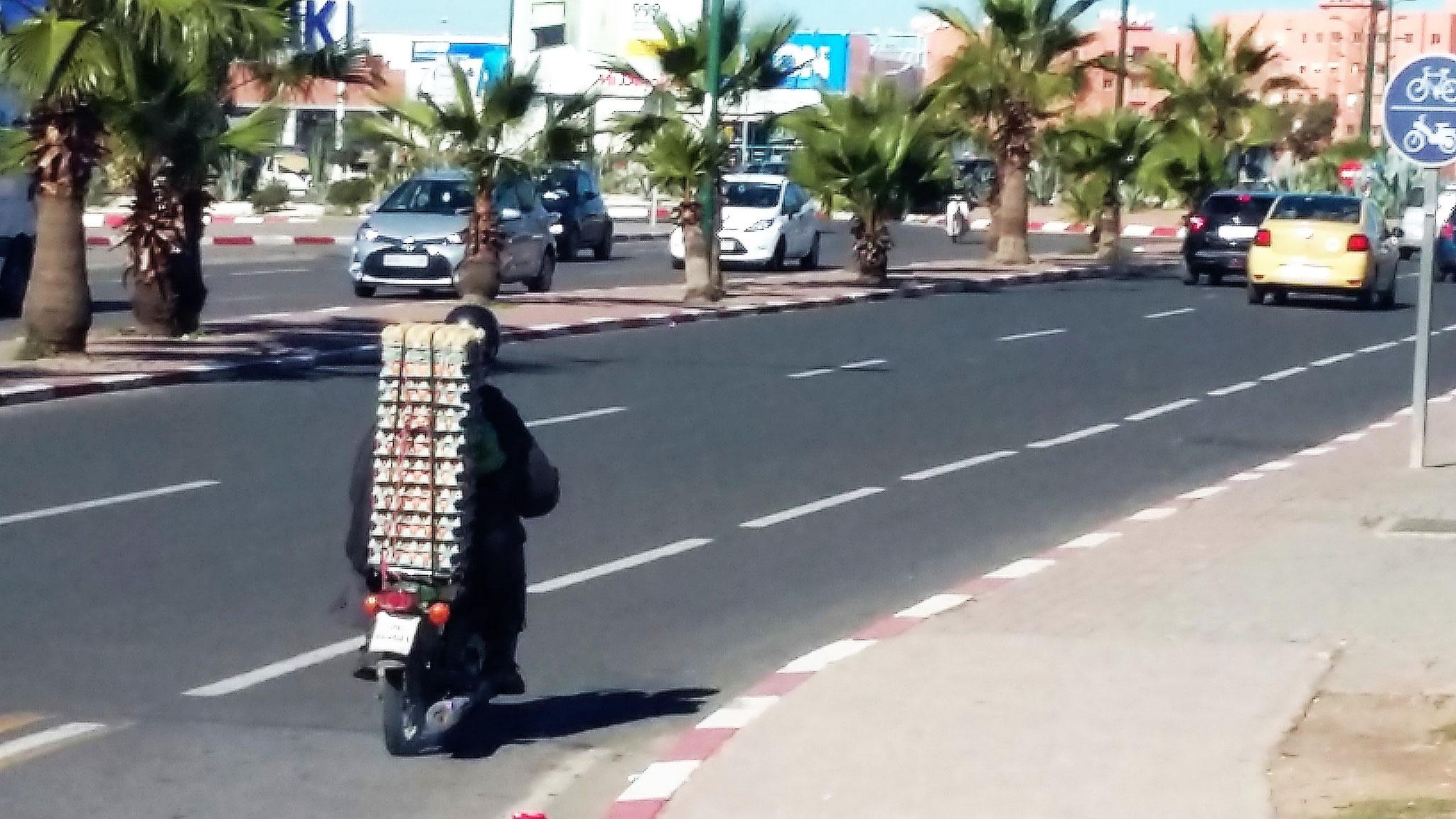 Mit 500 Eierern durch Marrakesch
