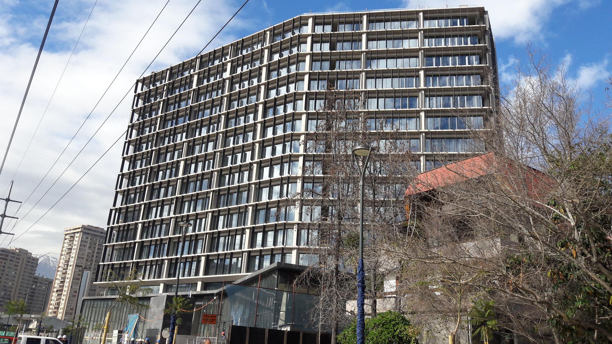 STOPRAY Vision 50T, Edificio Alonso de Córdova/Kennedy, Santiago, Chile