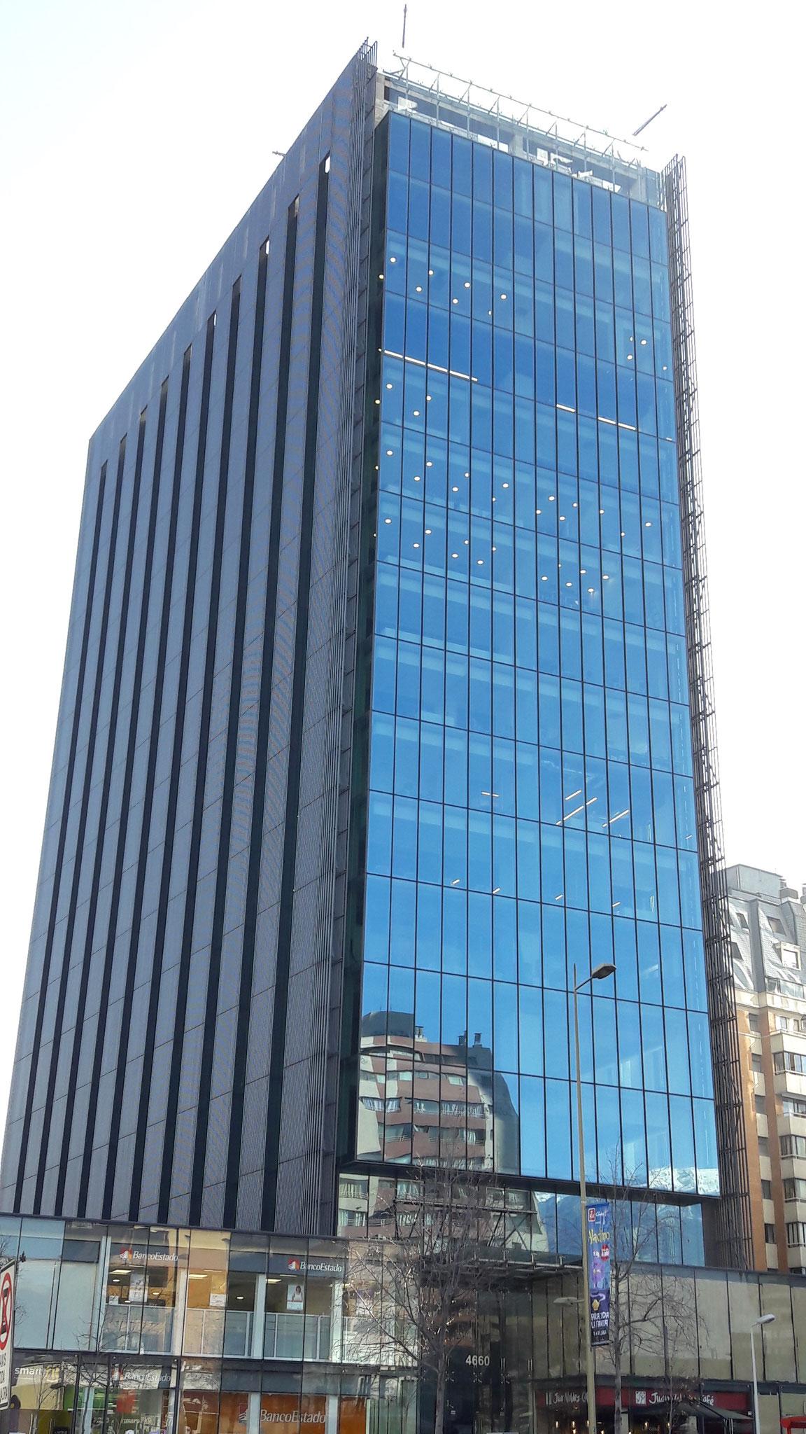 IPASOL Shine, Edificio Militares Visionario, Santiago, Chile