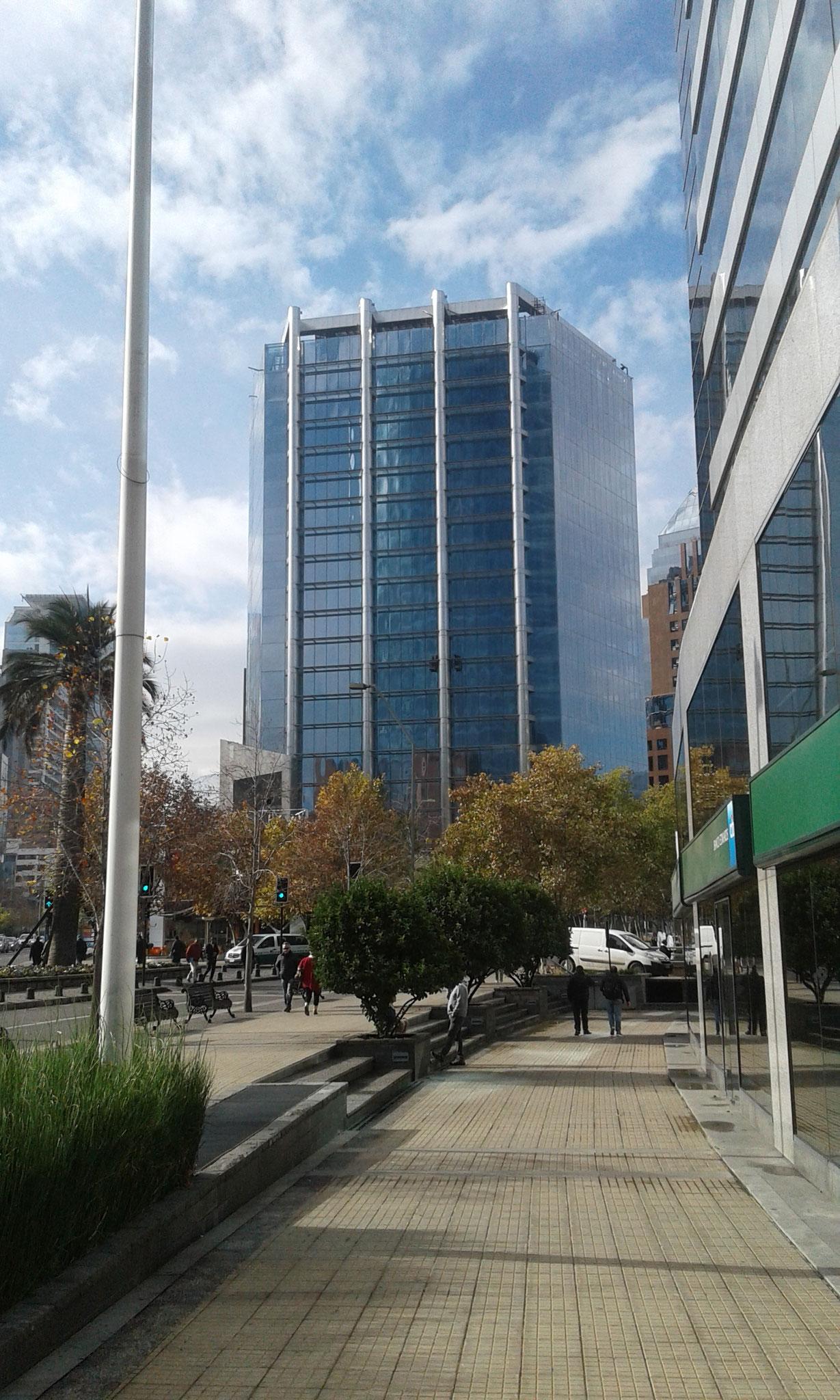 STOPRAY Vision 36T (descontinuado), Edificio Isidora El Bosque, Santiago, Chile