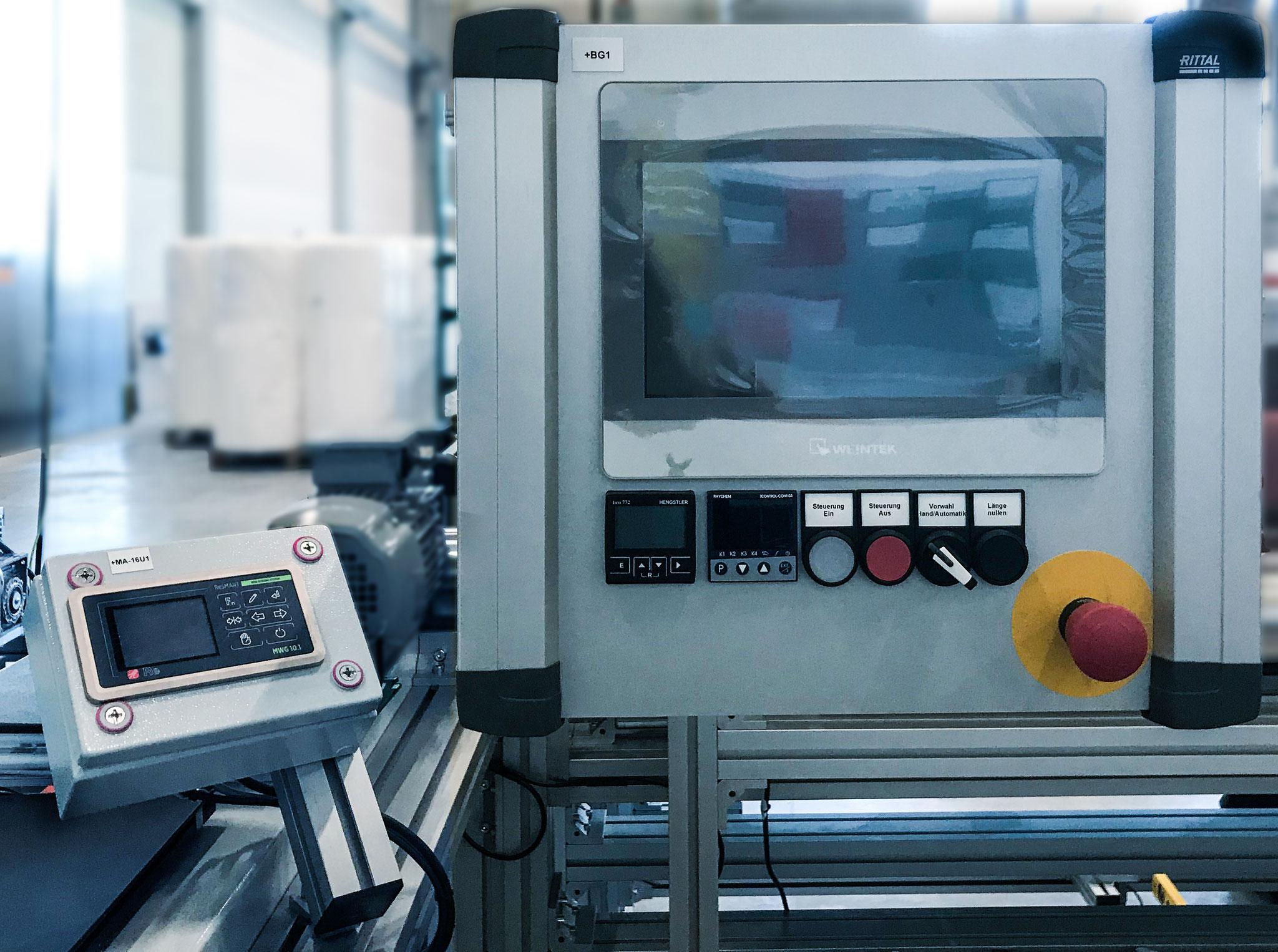 Dieses Steuerungs- und Antriebssystem haben wir speziell für einen Produktionsprozess von Folien konzipiert.