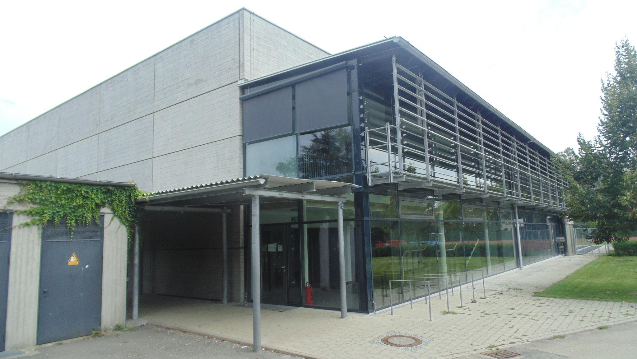 Sanierung und Erweiterung Dreifachturnhalle Gymnasium Dingolfing 2009