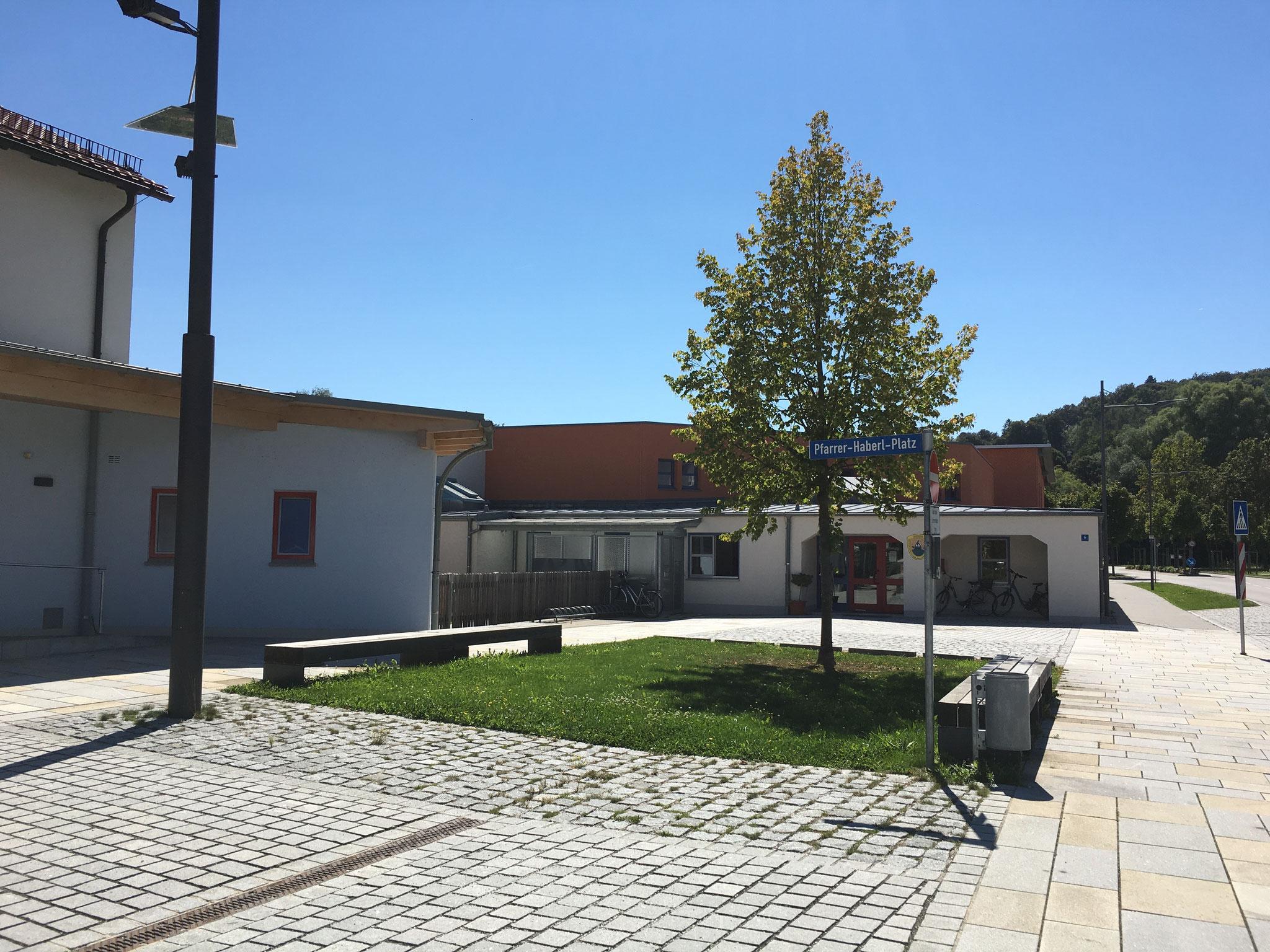 Nutzungsänderung und Erweiterung zur Kindergrippe, Niederaichbach 2014