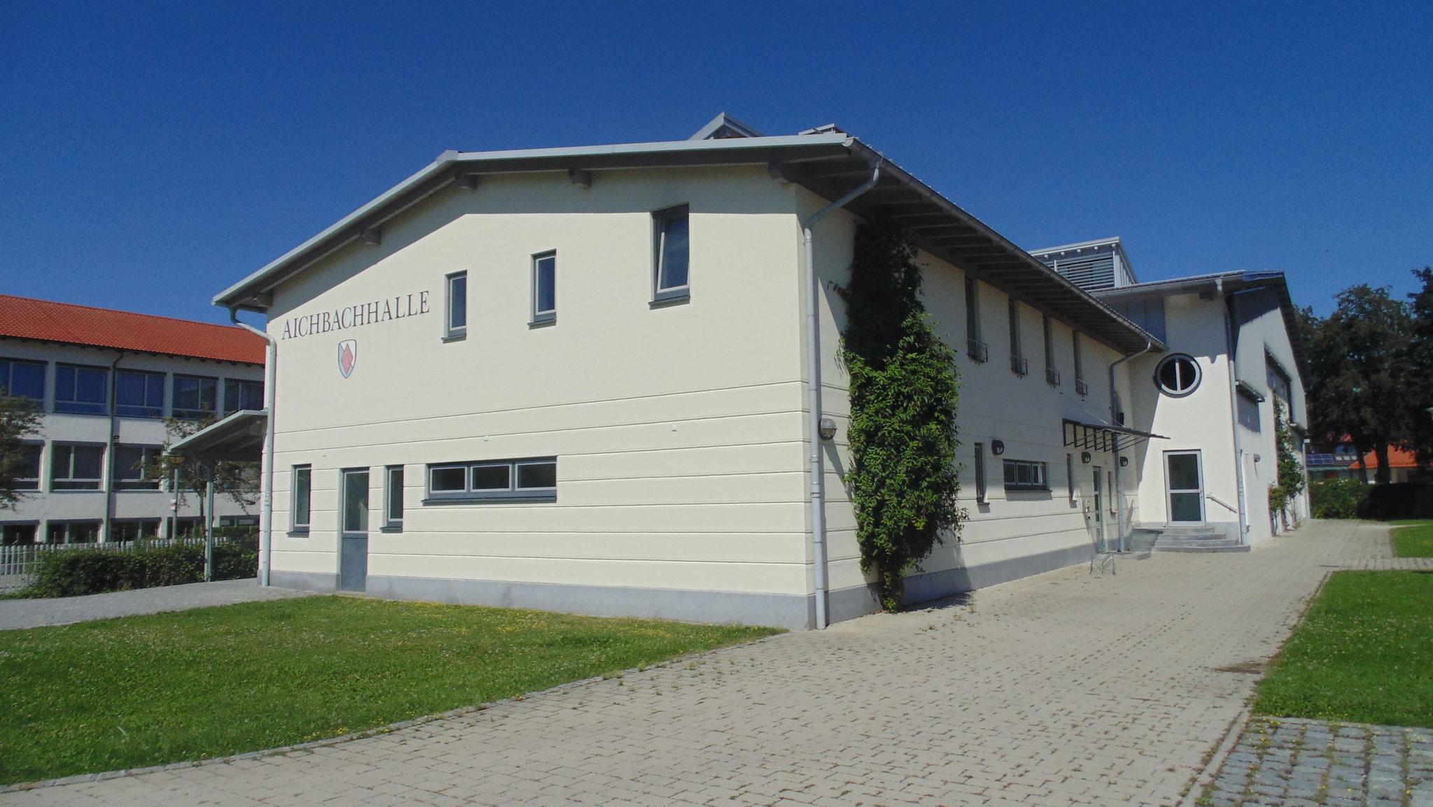 Neubau Zweifachturnhalle Niederaichbach 2002 - Seitenansicht