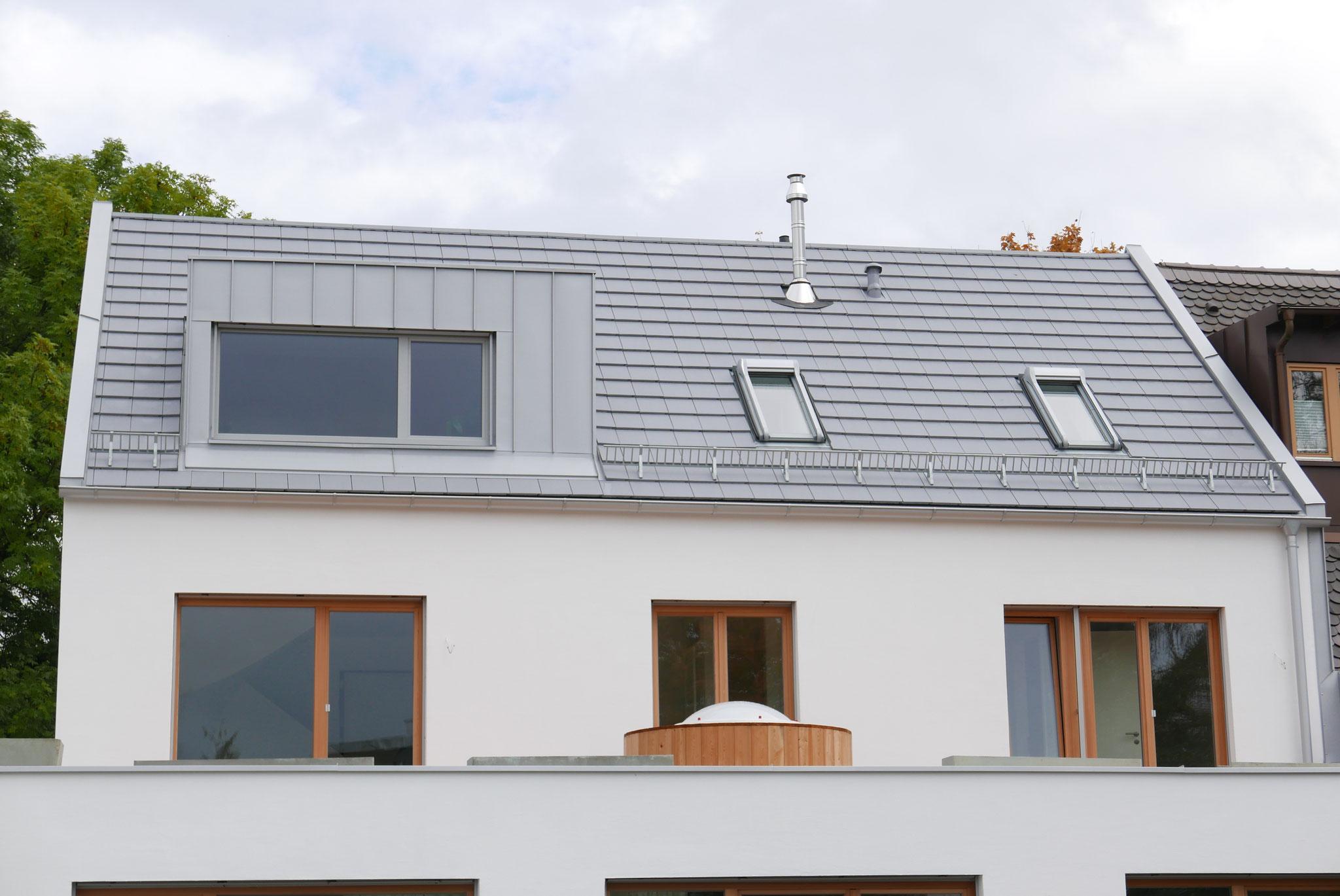Roto Dachfenster in passender Aussenfarbe