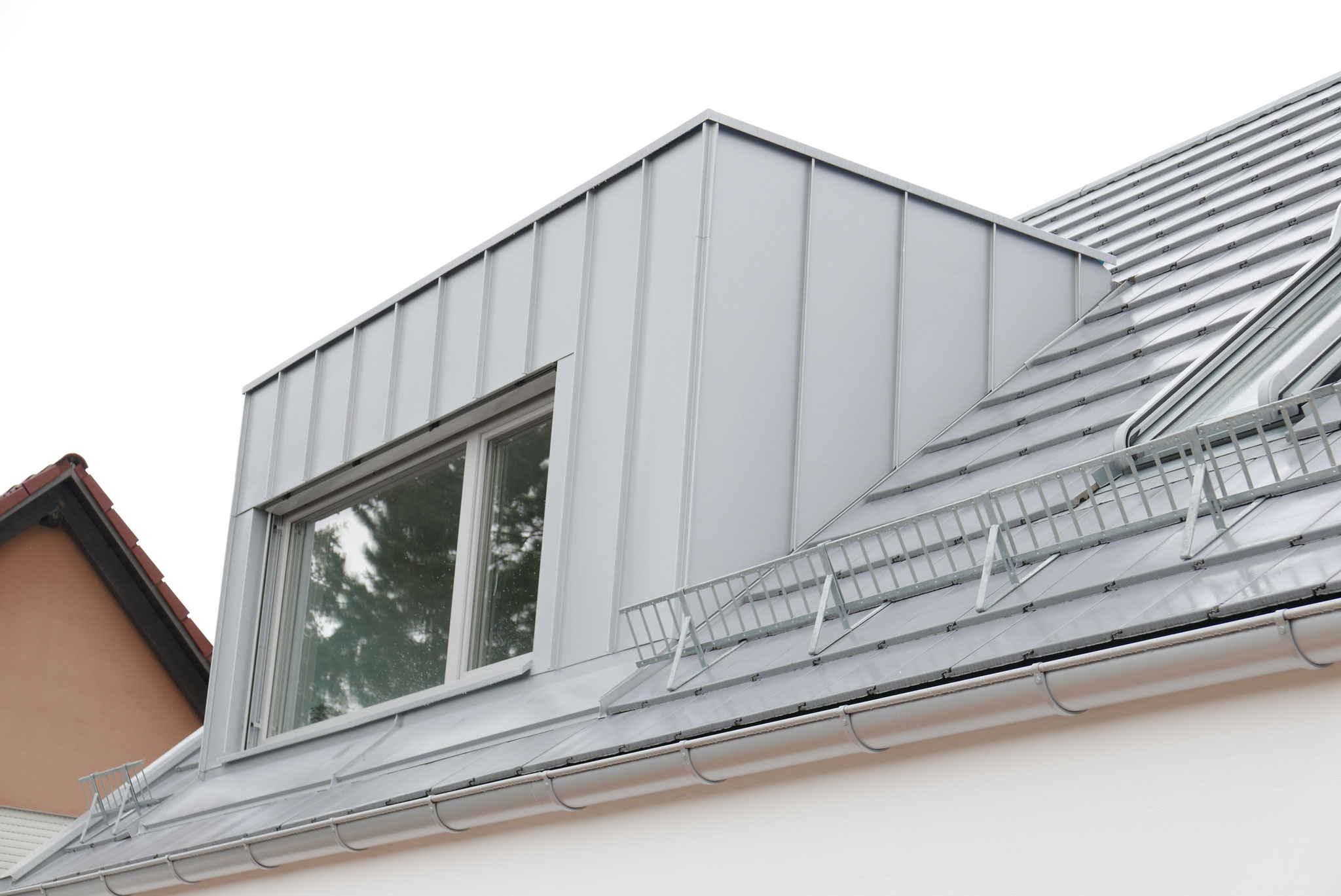 Schleppdachgaube mit Gefälle zum Dach
