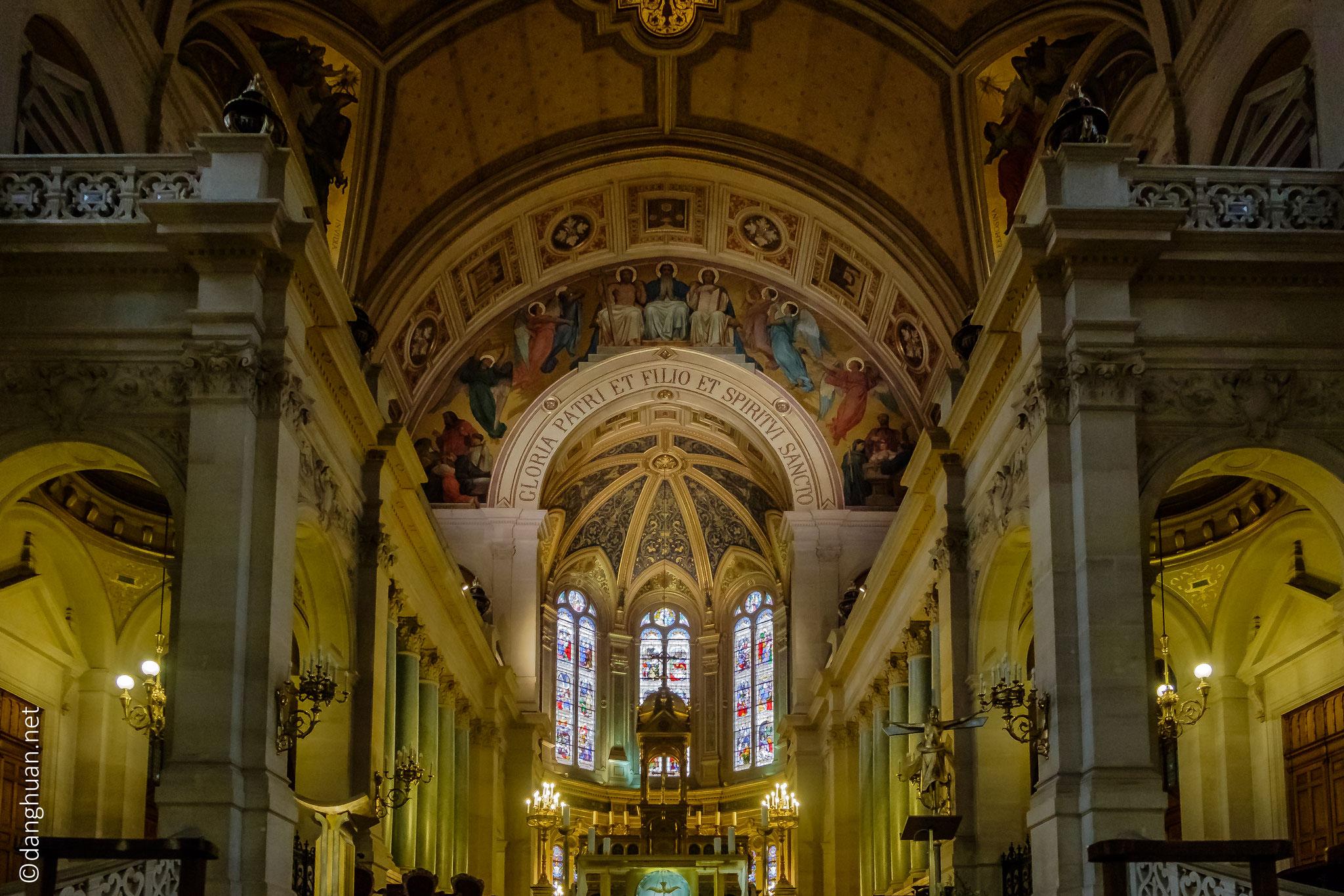 Intérieur de l'église de la Trinité où le compositeur Olivier Messiaen fut l'organiste pendant une quarantaine d'années.