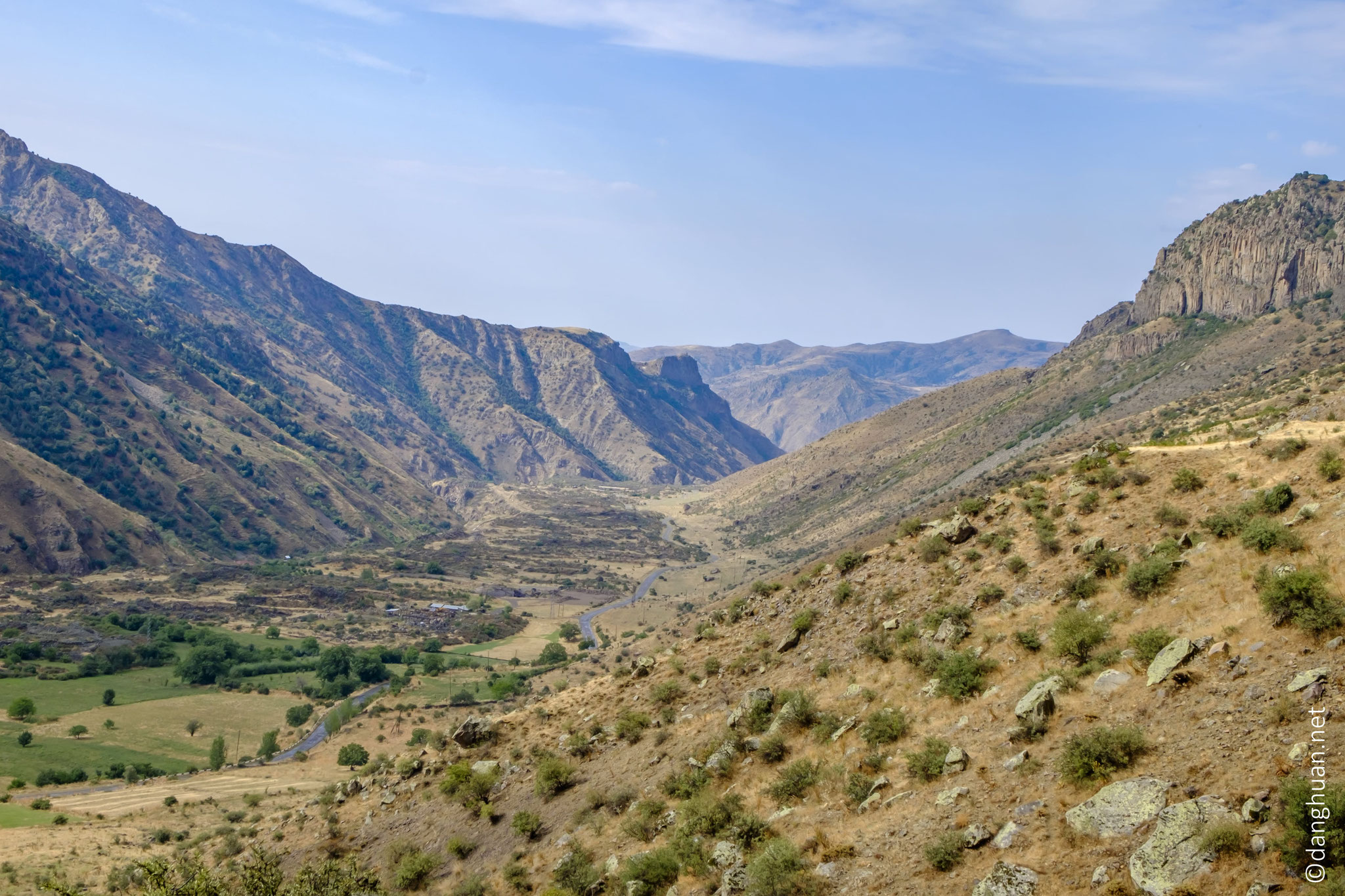 Randonnée depuis le canyon d'Eghéguis vers la forteresse Sembataberd située au sommet
