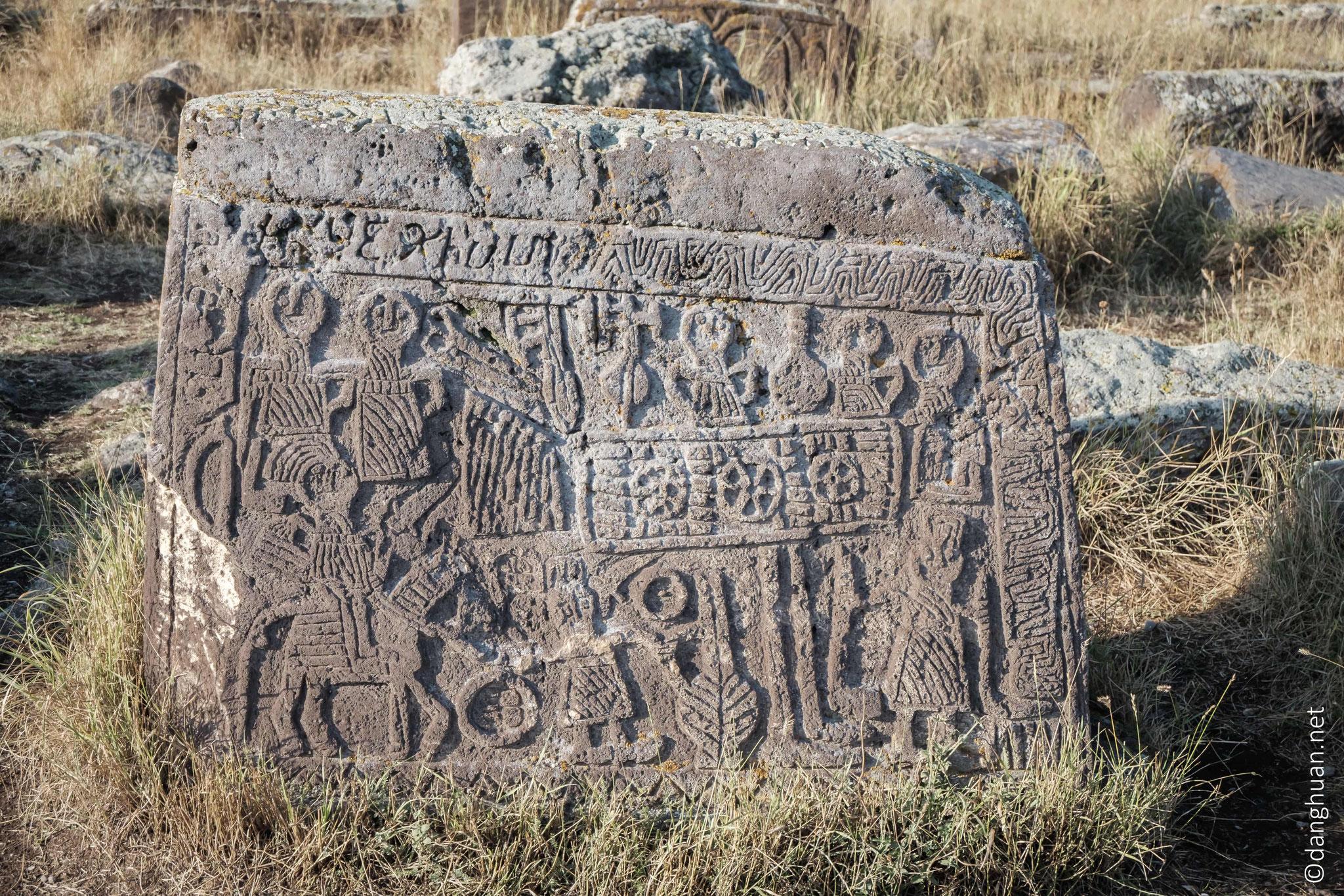 Les premiers sont datés du IXè siècle mais ...