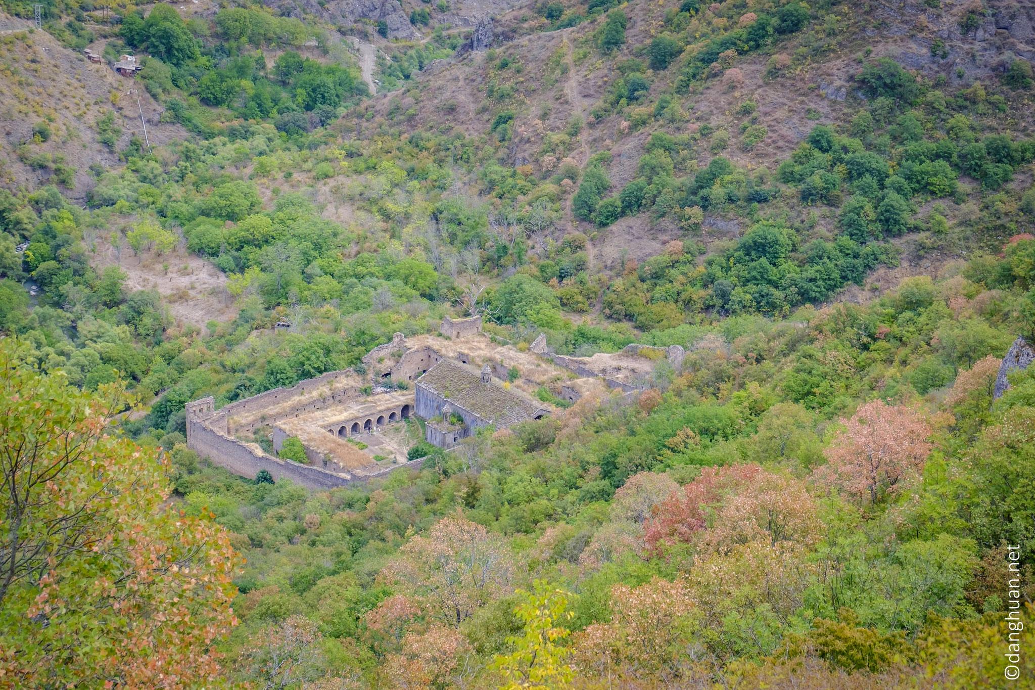 Le monastère de Tatev d'en bas