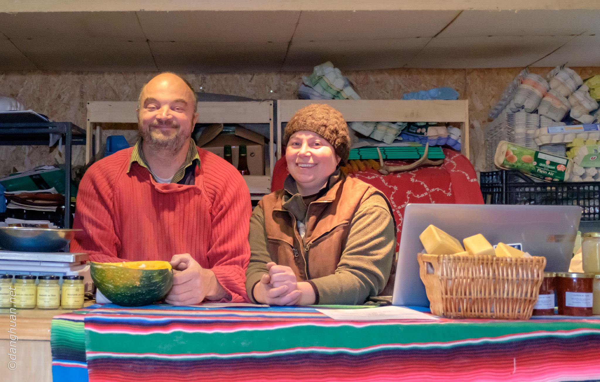 L'agriculteur Patrick Mancheron et sa compagne pratiquent la Permaculture dans leur ferme biologique à Villers-Saint Paul (60) : www.larbreapoule.com