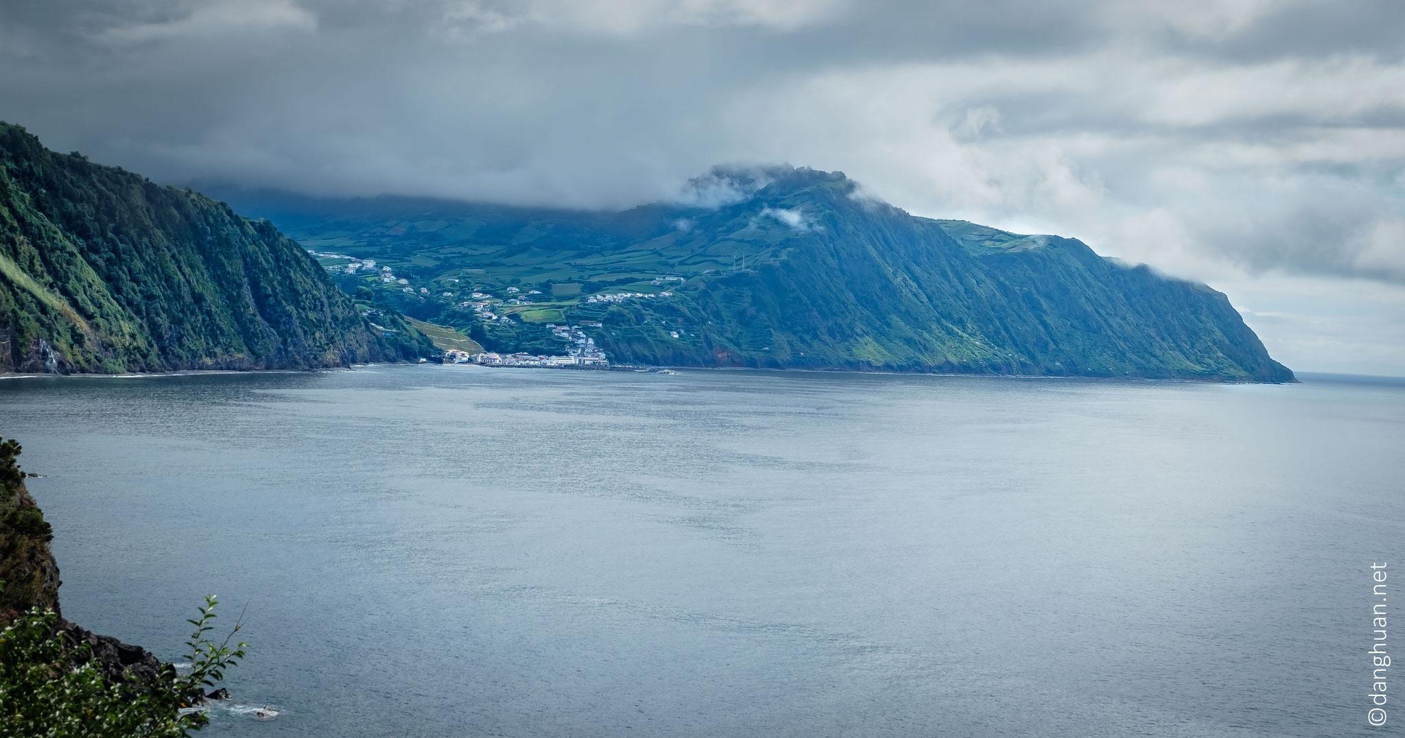 Randonnée par la côte de Povoaçao, lieu où débarquèrent les premier habitants de Sao Miguel jusqu'au village de pêcheurs de Ribeira Quente