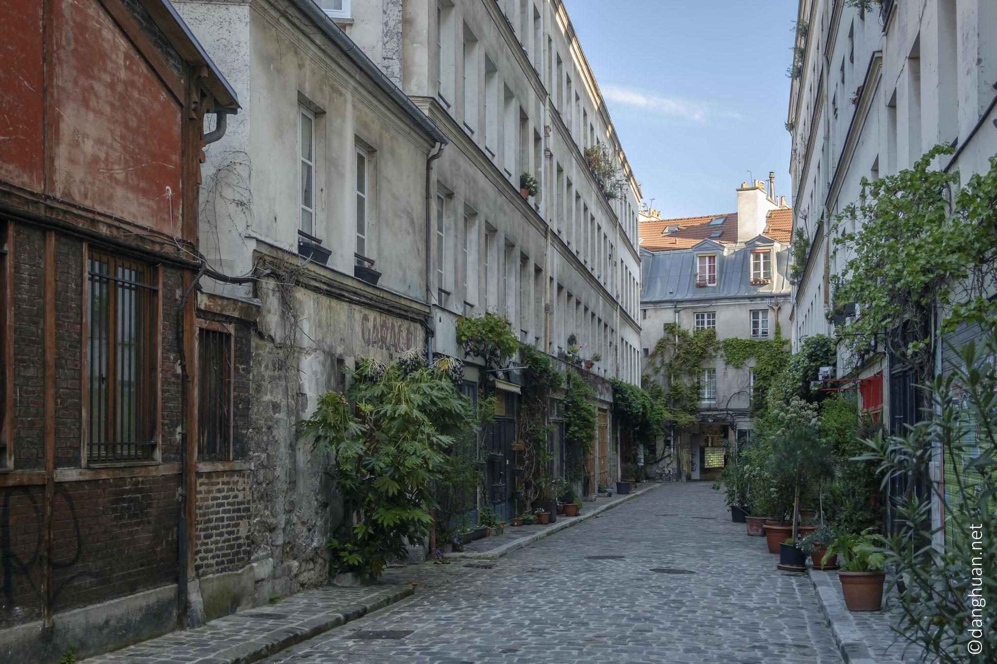 et isolés de Paris...