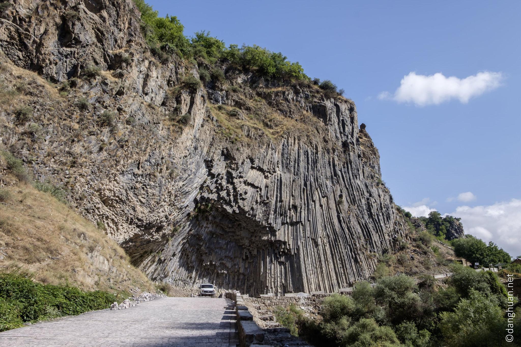 Randonnée dans la gorge de Garni pour atteintre le site de Garni par la vallée d'Azad