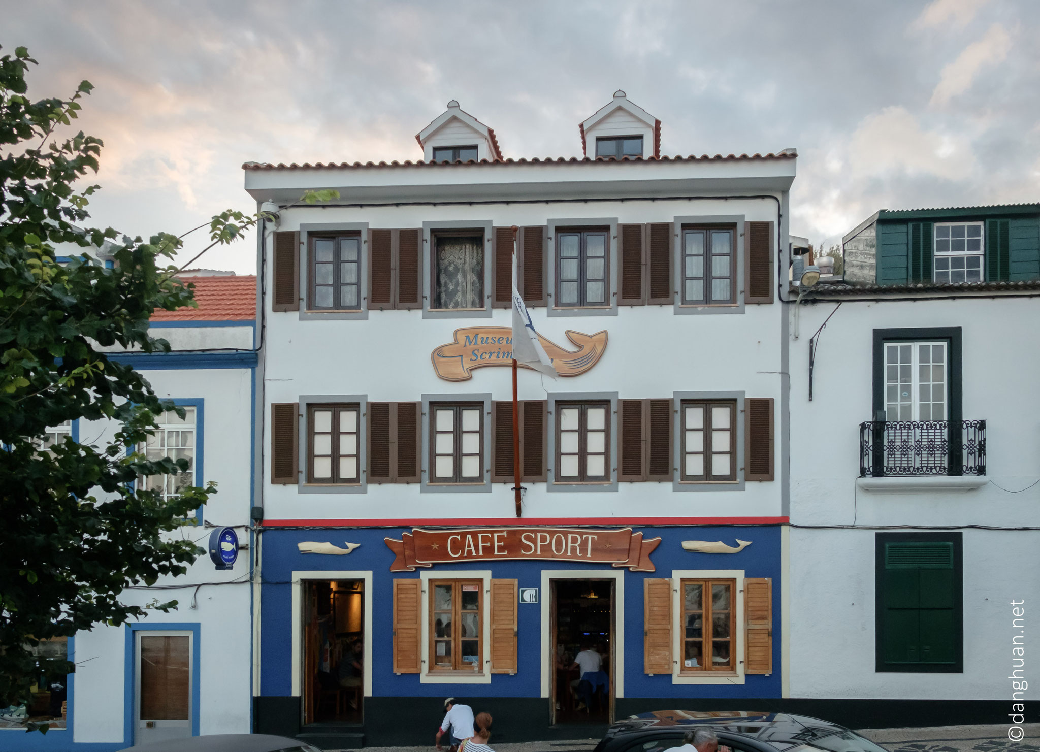 Peter Café sport - Horta - le lieu de rendez-vous des marins