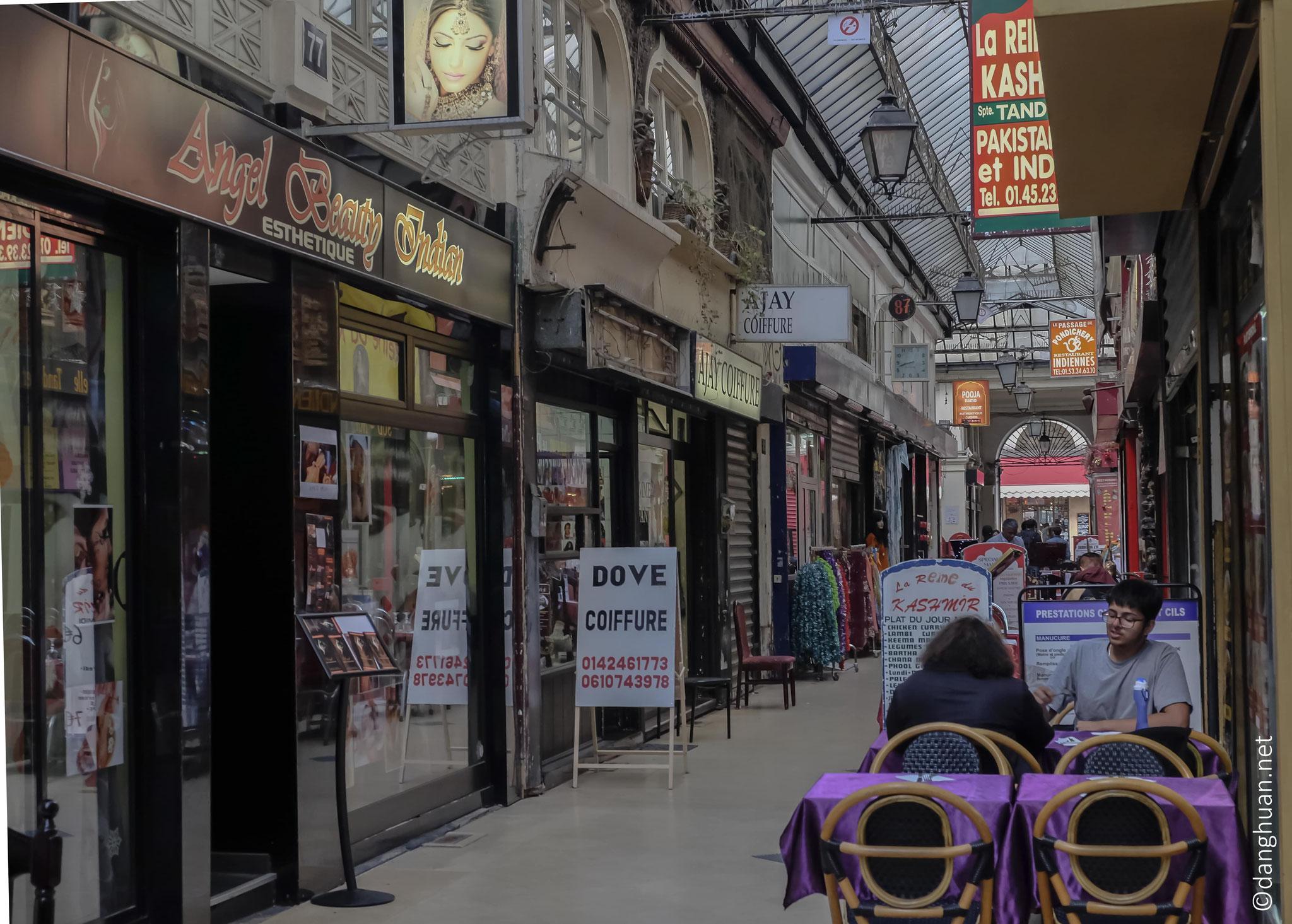 le passage Brady abrite de nombreux restaurants et ...