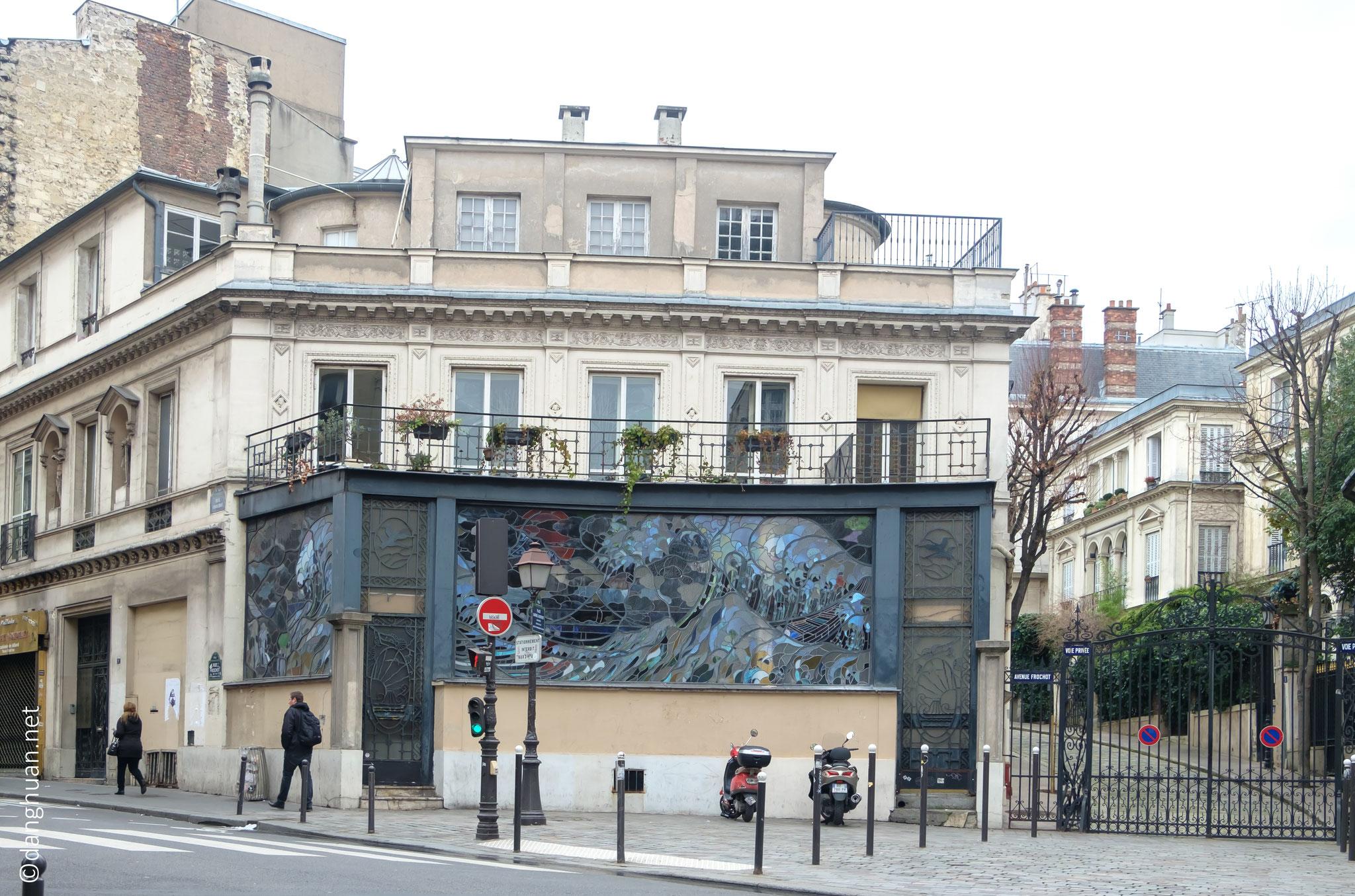 Entre la rue Frochot et l'avenue Frochot
