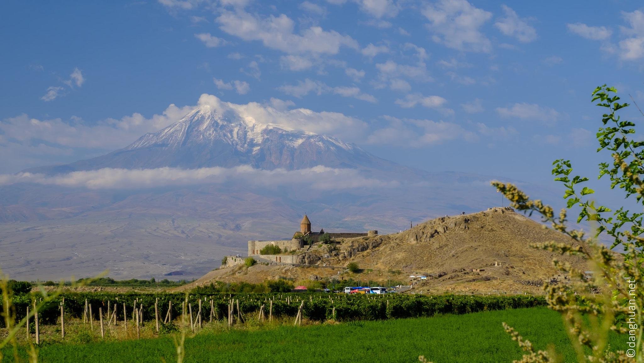 Le monastère de Khor-Virap (fosse profonde) est l'un des lieux saints...