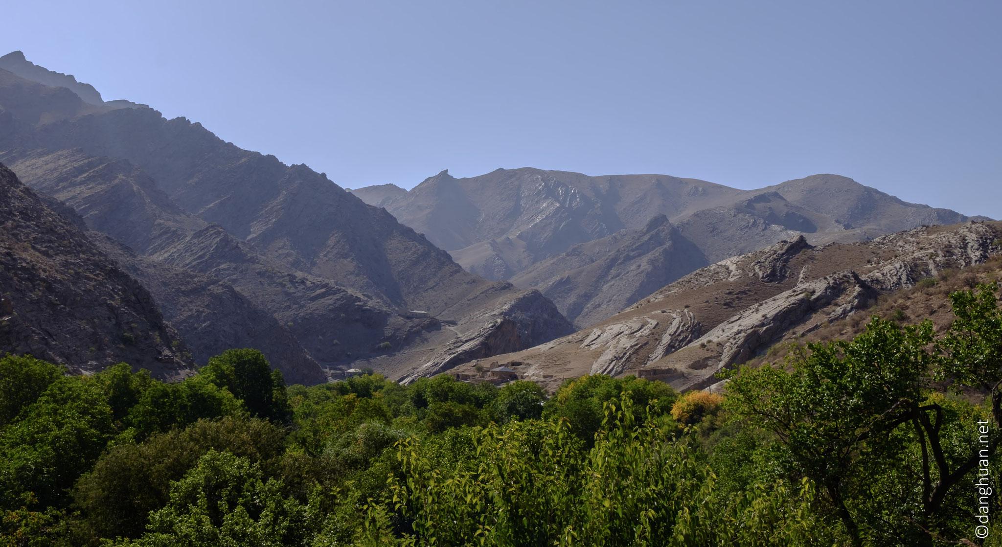Randonnée autour du village Sintab (de la région Navoï)