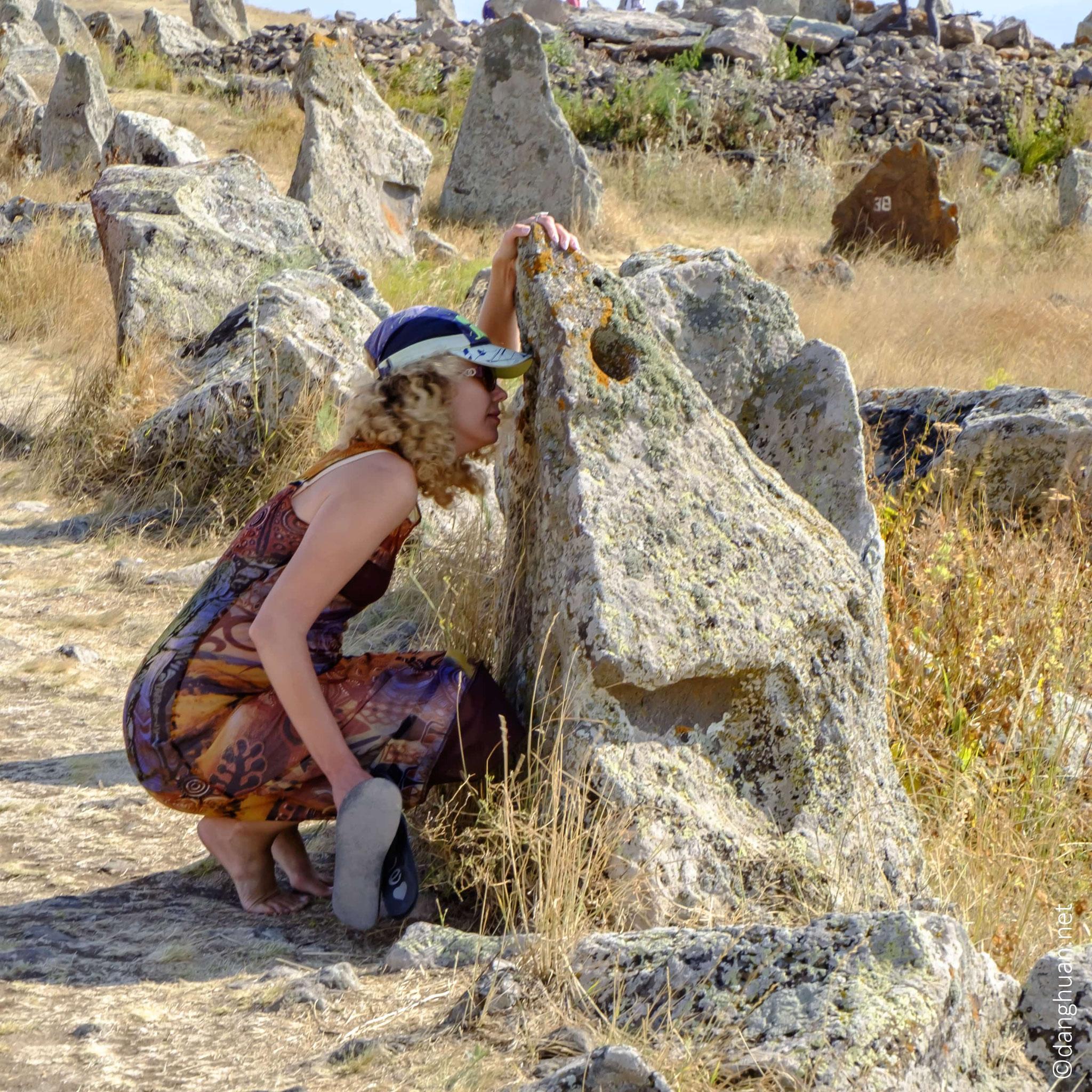 près du Mont  d'Oughtassar où se trouvent les pétroglyphes d'Oughtassar