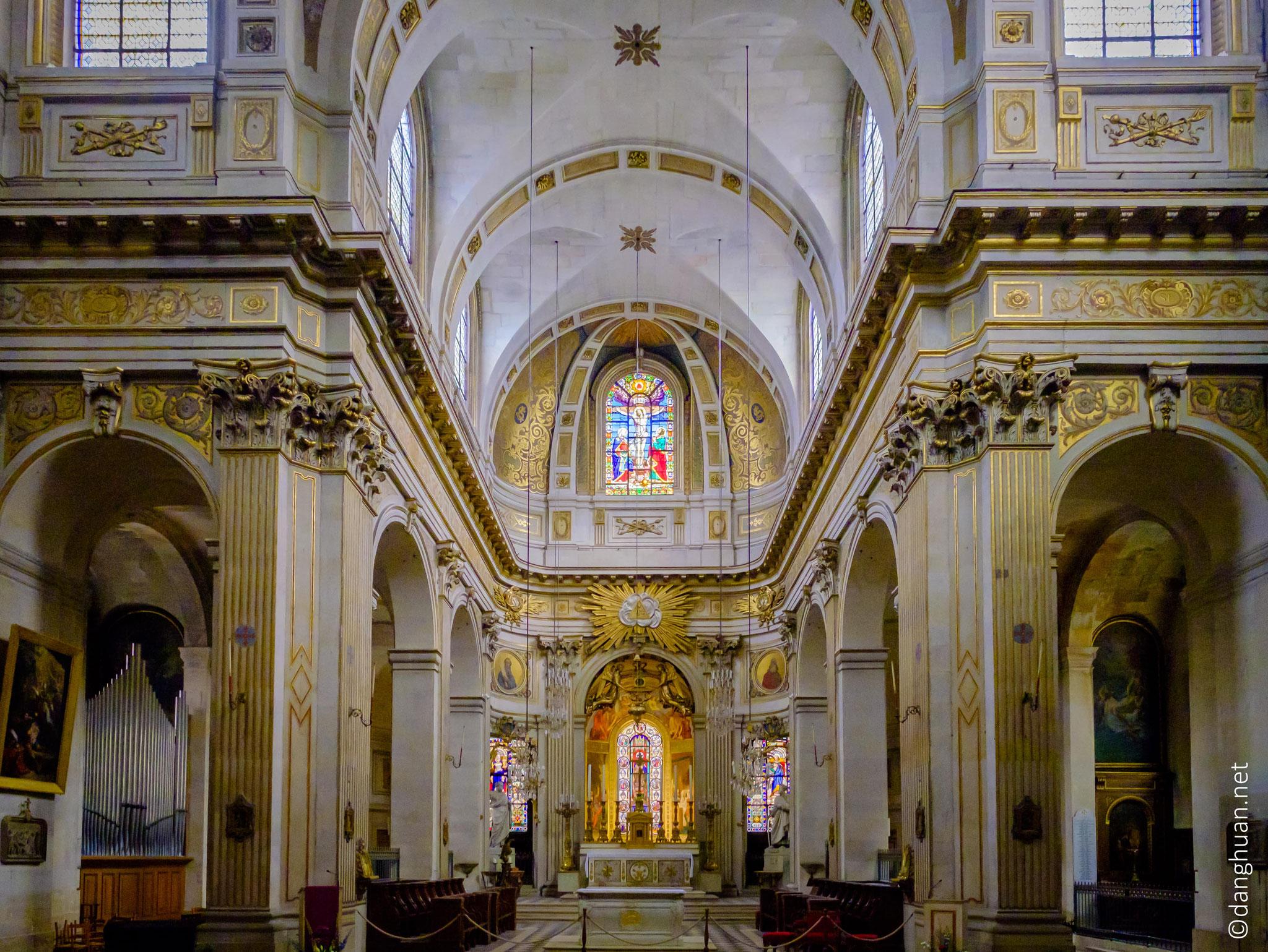 Eglise St Louis en l'île :  située dans l'actuel 4e arrondissement de Paris, sur l'île Saint-Louis