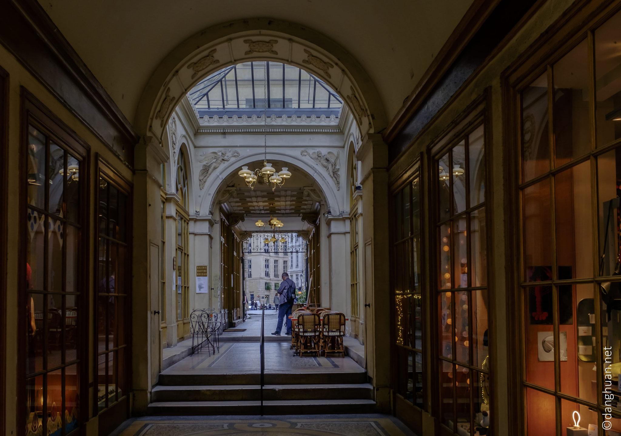 et de la bibliothèque Richelieu...