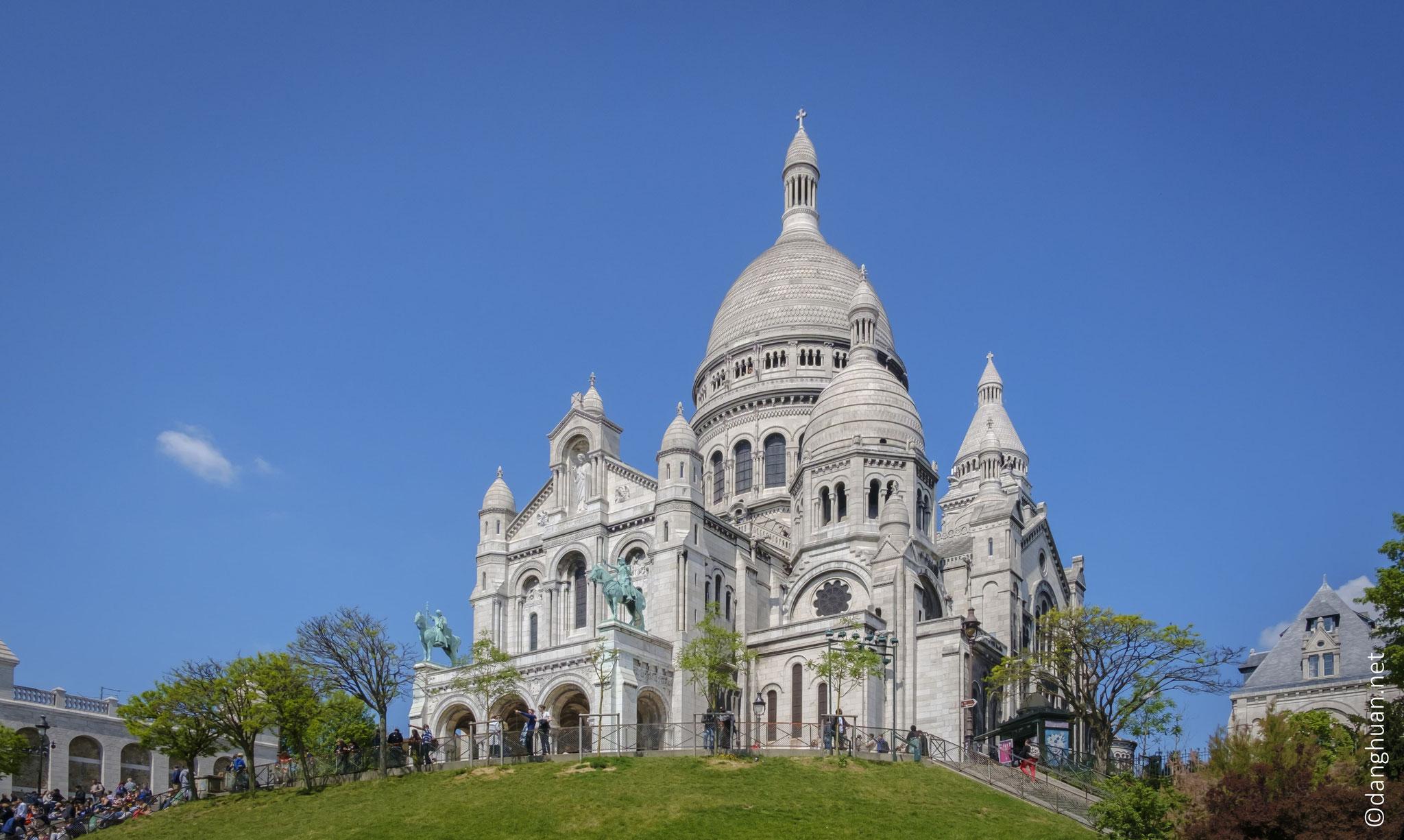 le Sacré Coeur - au total, près de quarante-six millions de francs sont récoltés en un demi-siècle