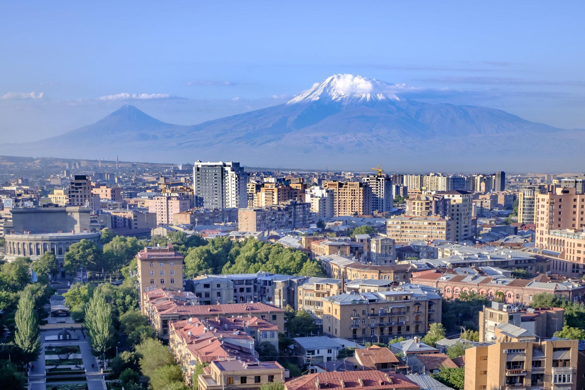 A l'époque soviétique, l'architecte Alexandre Tamanian se voit confier l'élaboration du plan général de la capitale...